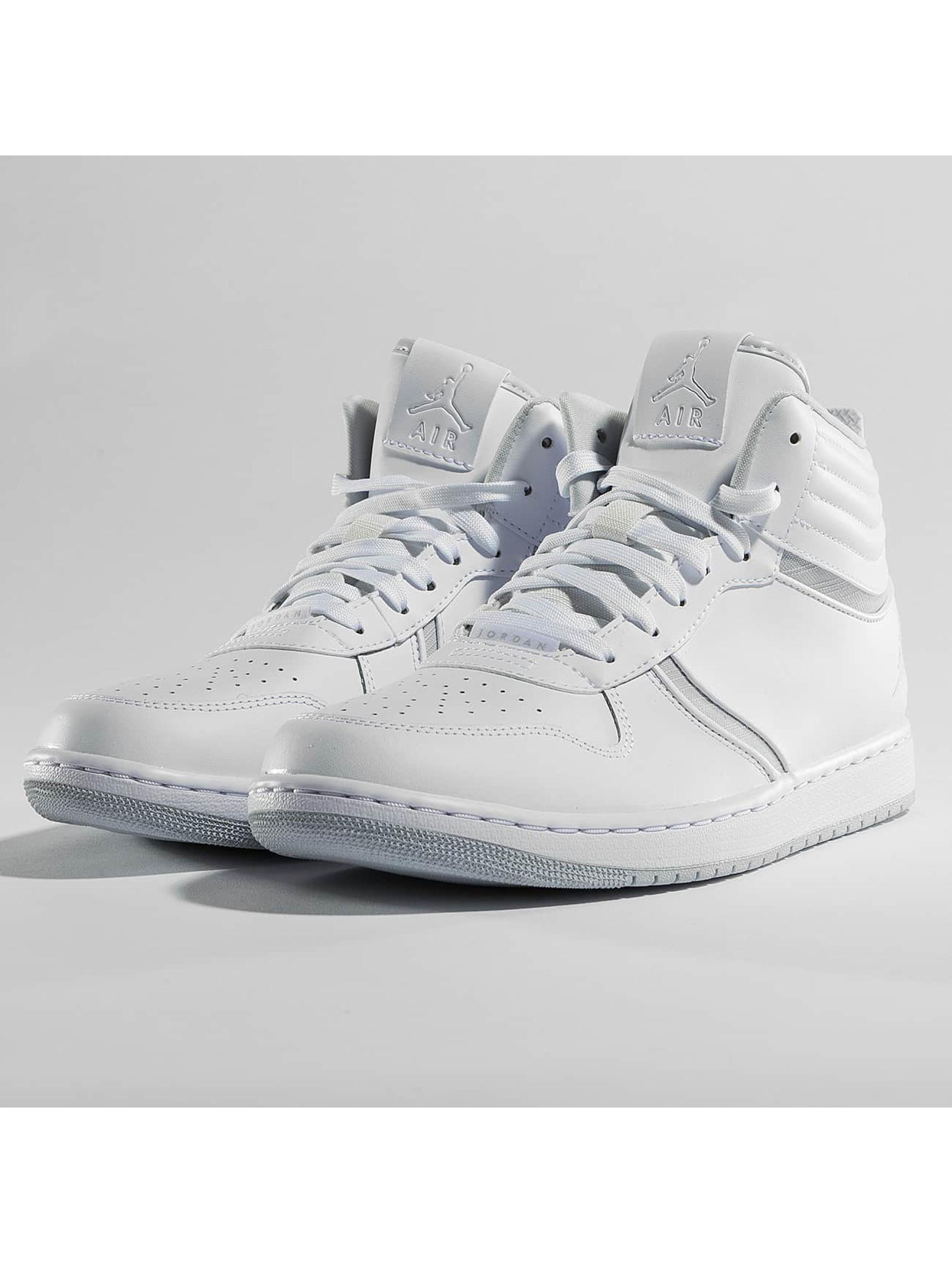 Jordan Männer Sneaker Heritage in weiß