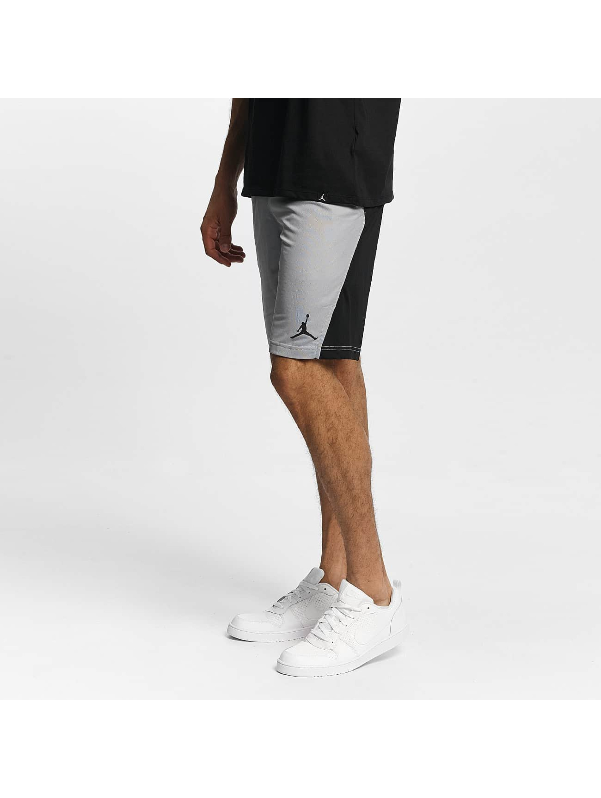 Jordan Männer Shorts Basketball Flight in grau