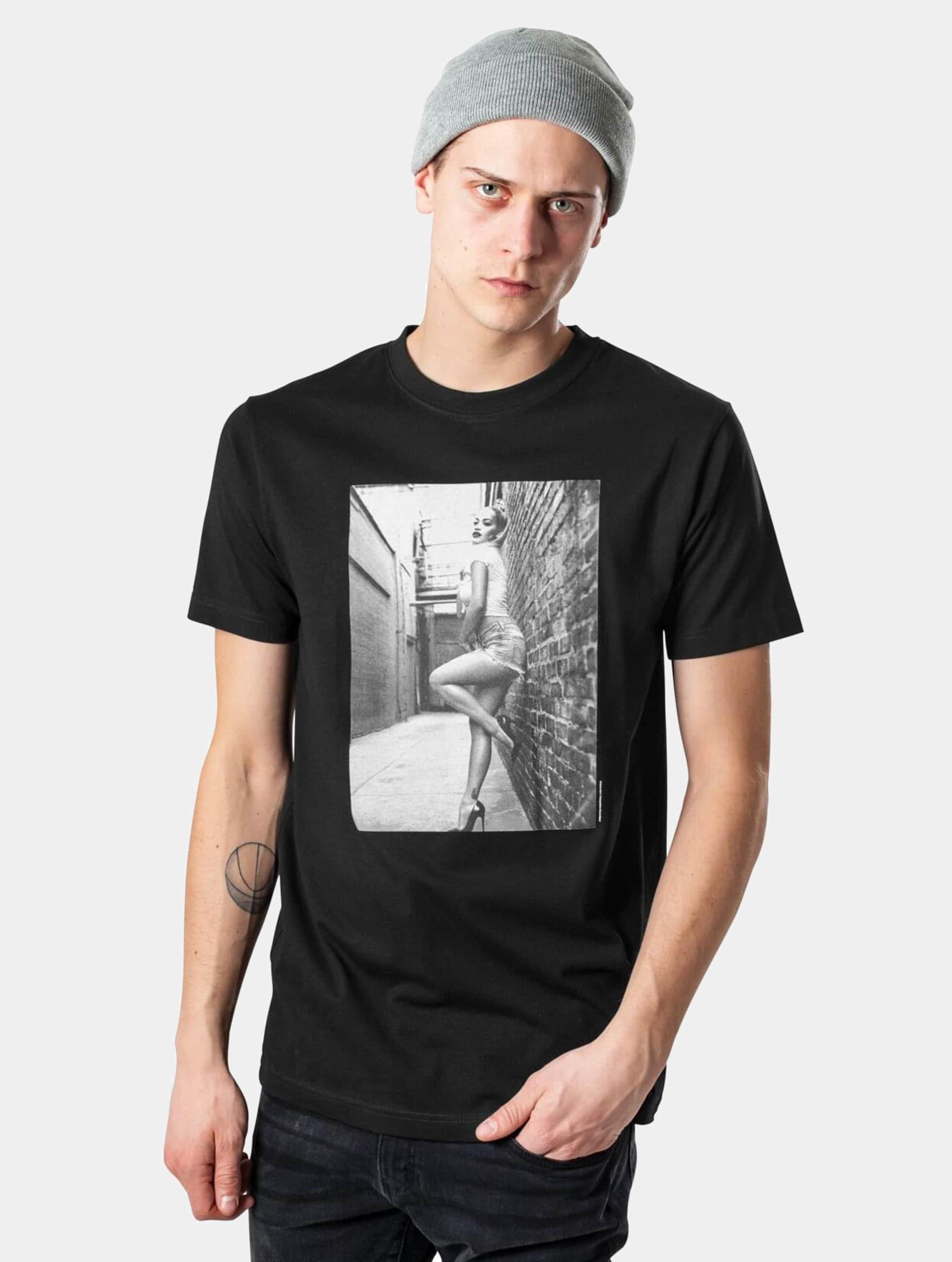 Merchcode Männer T-Shirt Rita Ora Wall in schwarz