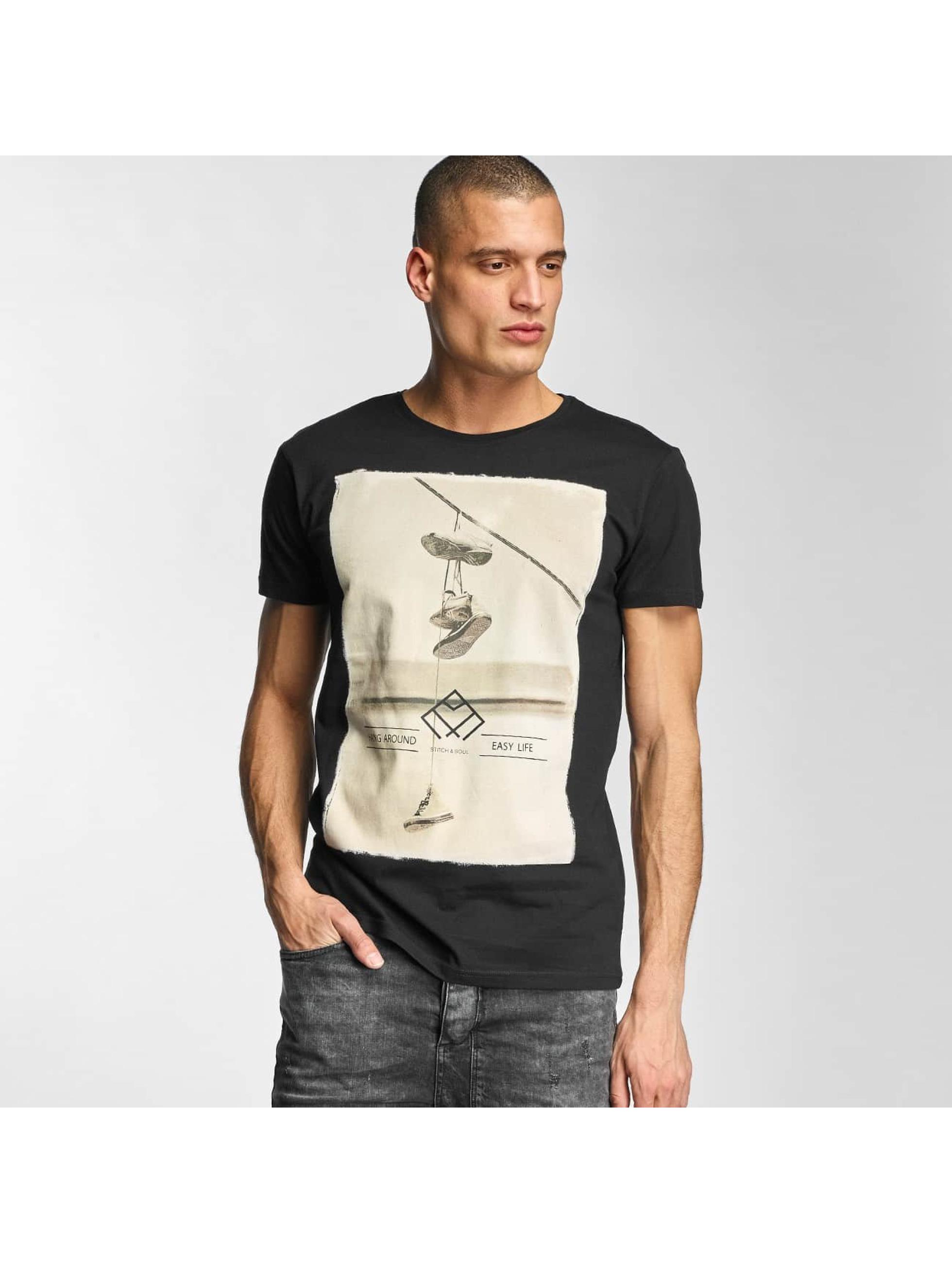 Stitch & Soul Männer T-Shirt Hang Around in schwarz