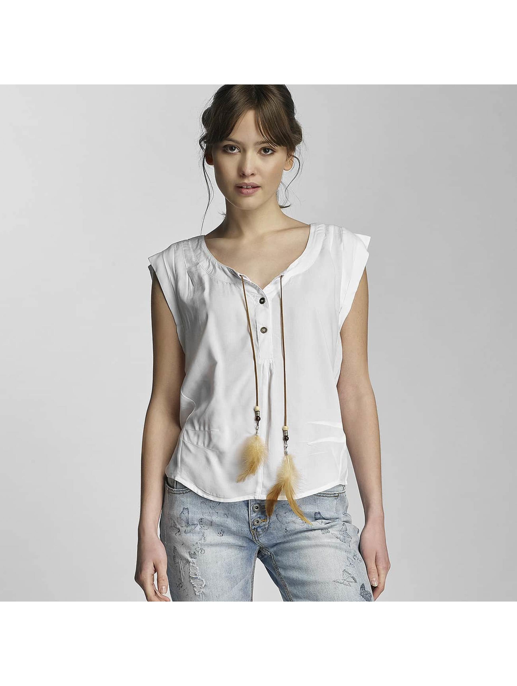 Stitch & Soul Frauen Bluse Lia in weiß