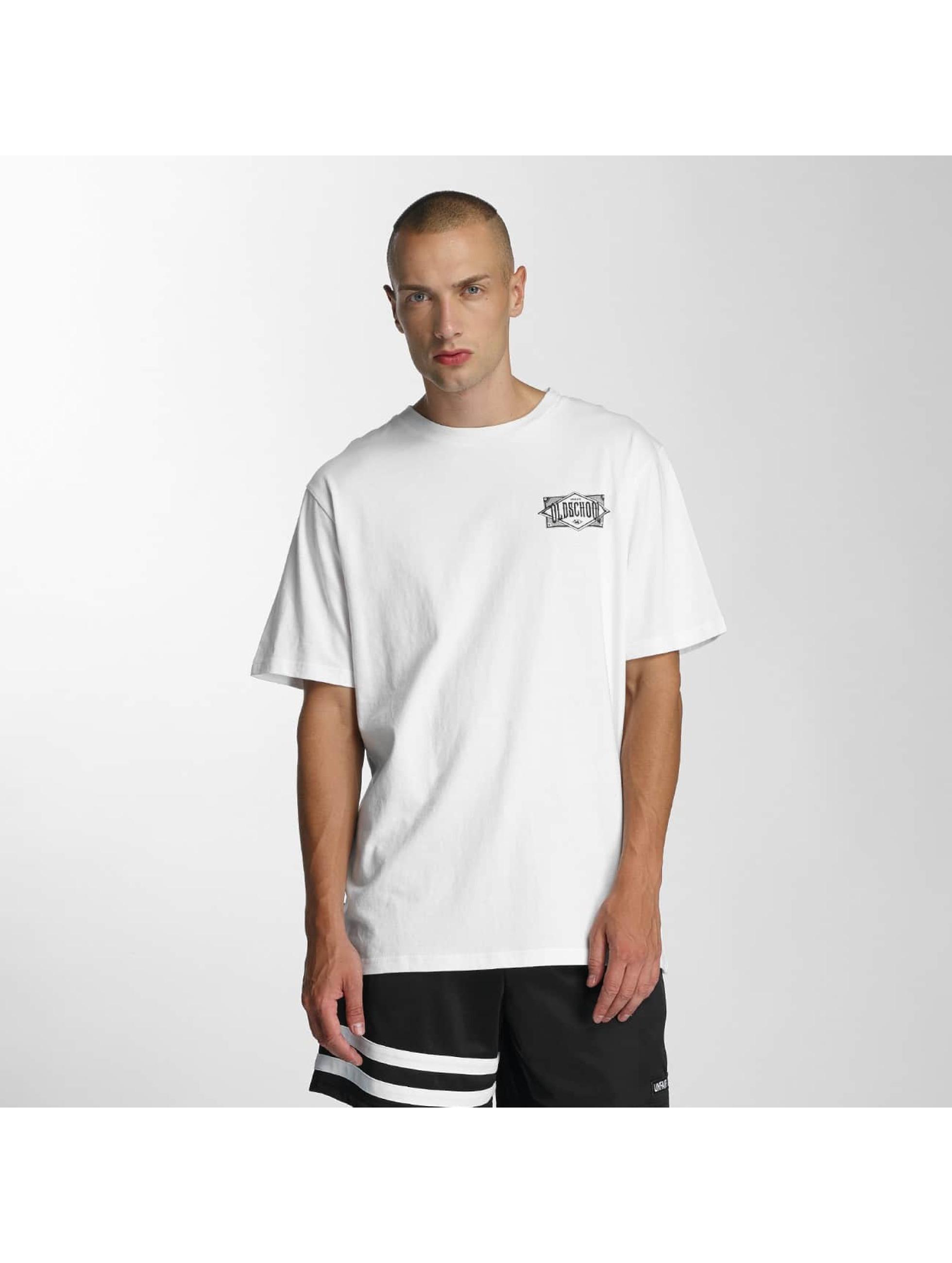 UNFAIR ATHLETICS Männer T-Shirt Oldschool in weiß