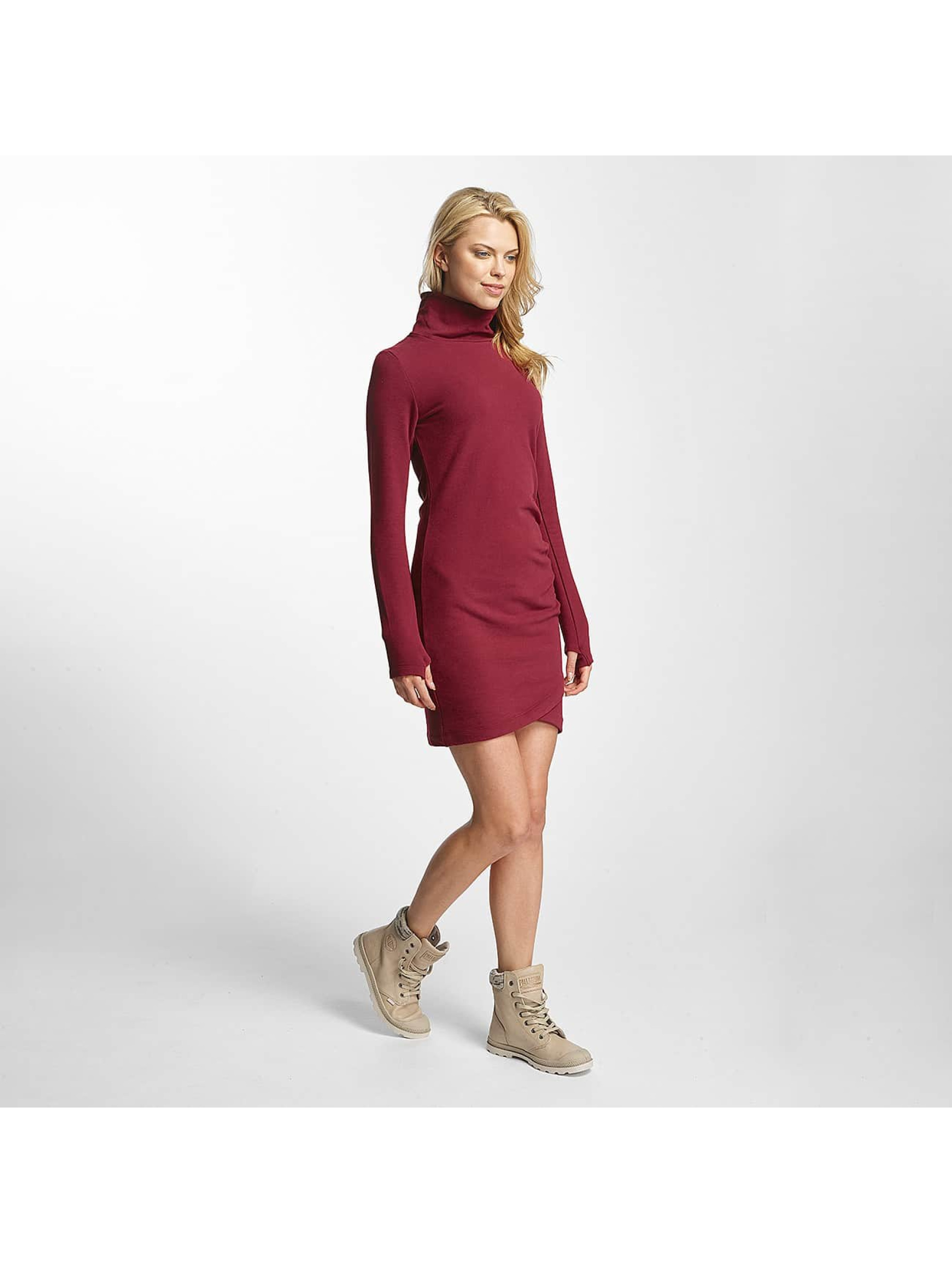 Bench Frauen Kleid Slim Funnel in rot