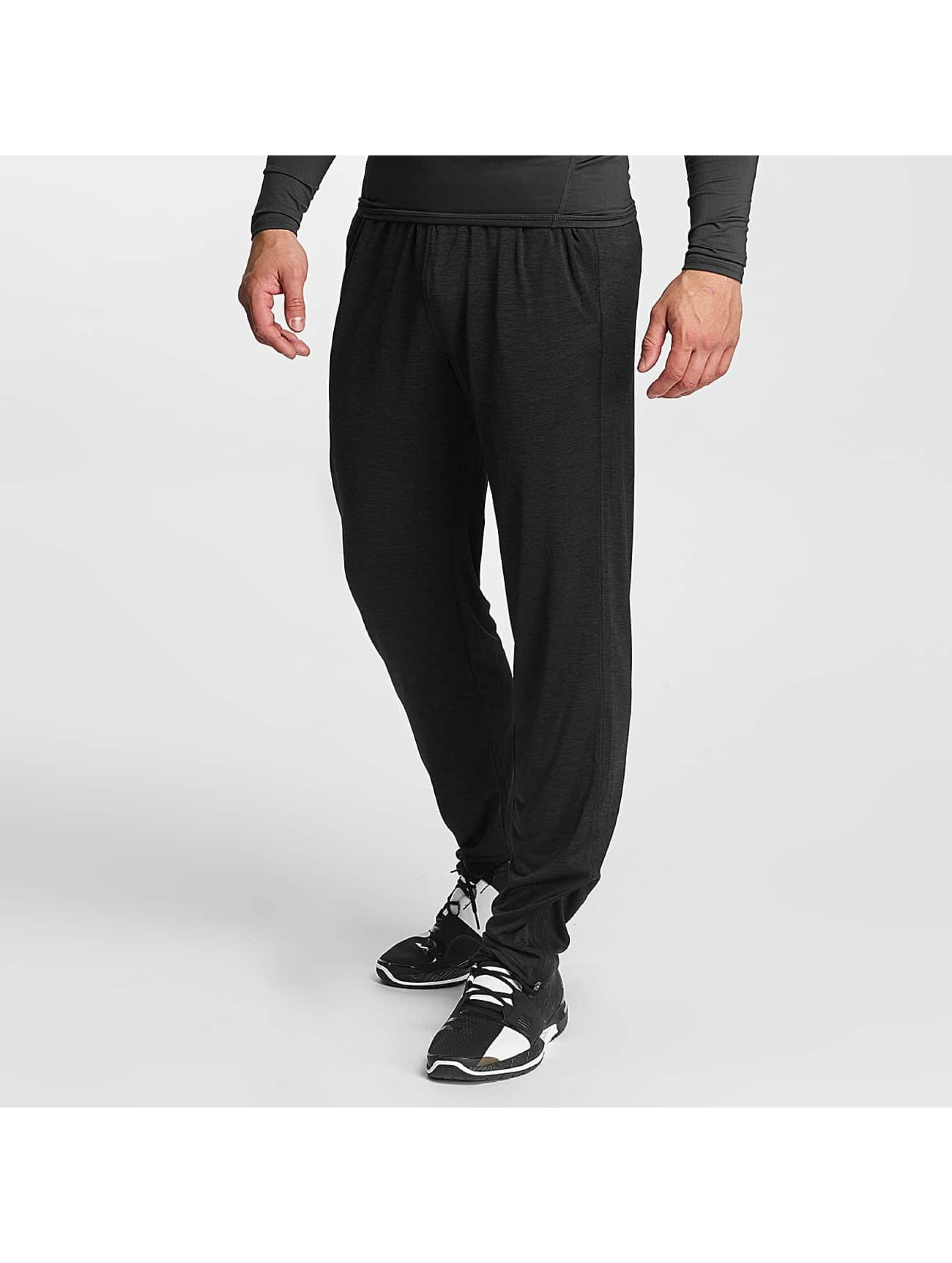 Under Armour Männer Jogginghose Tech in schwarz