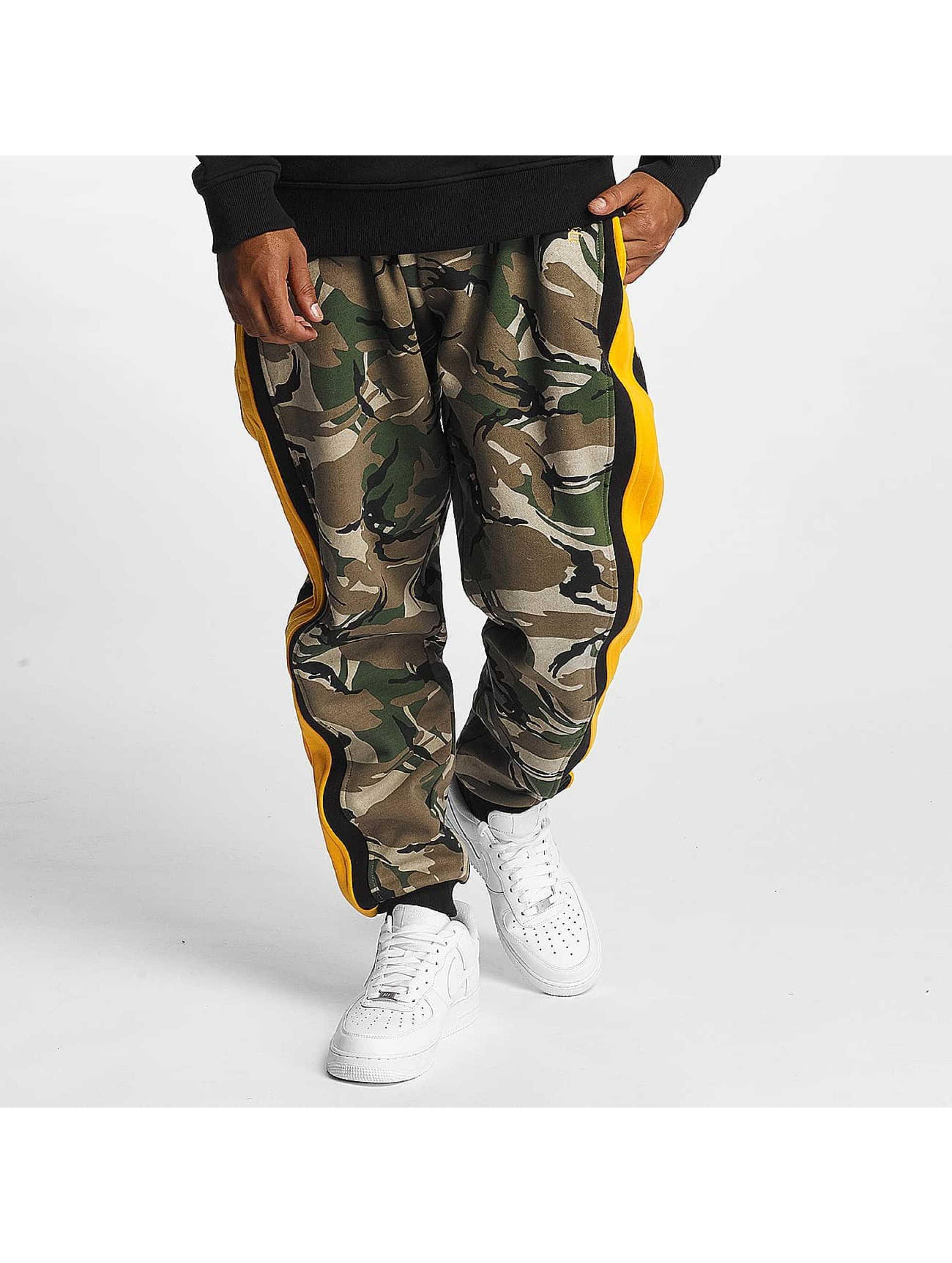 Thug Life / Sweat Pant Lecter in camouflage XL