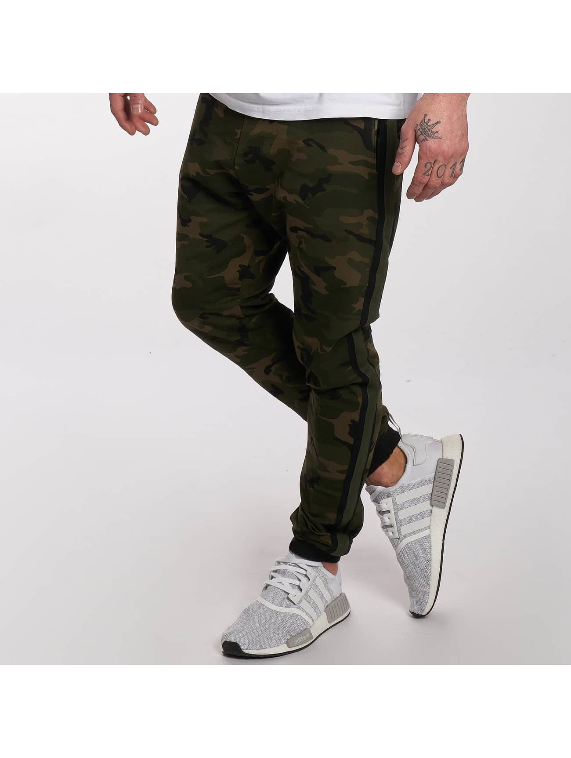 DEF Männer Jogginghose General in olive