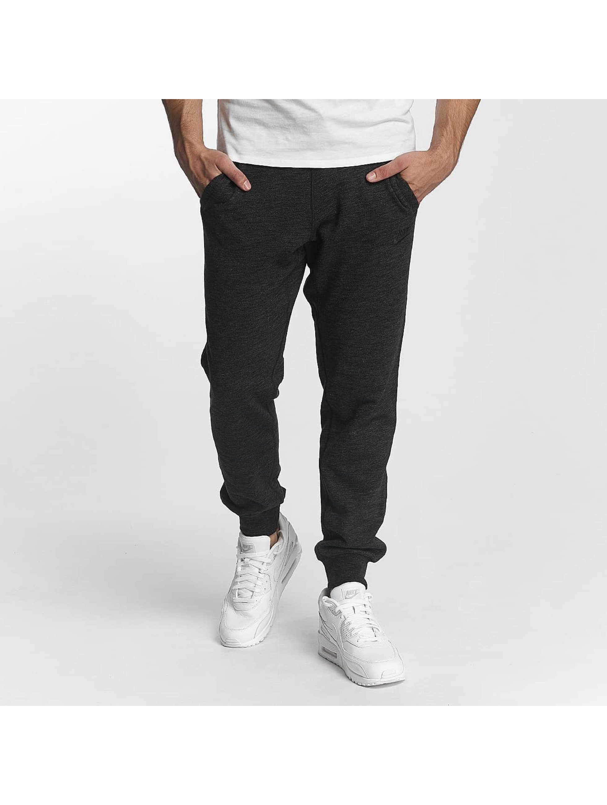 Nike Männer Jogginghose Sportswear Legacy in schwarz