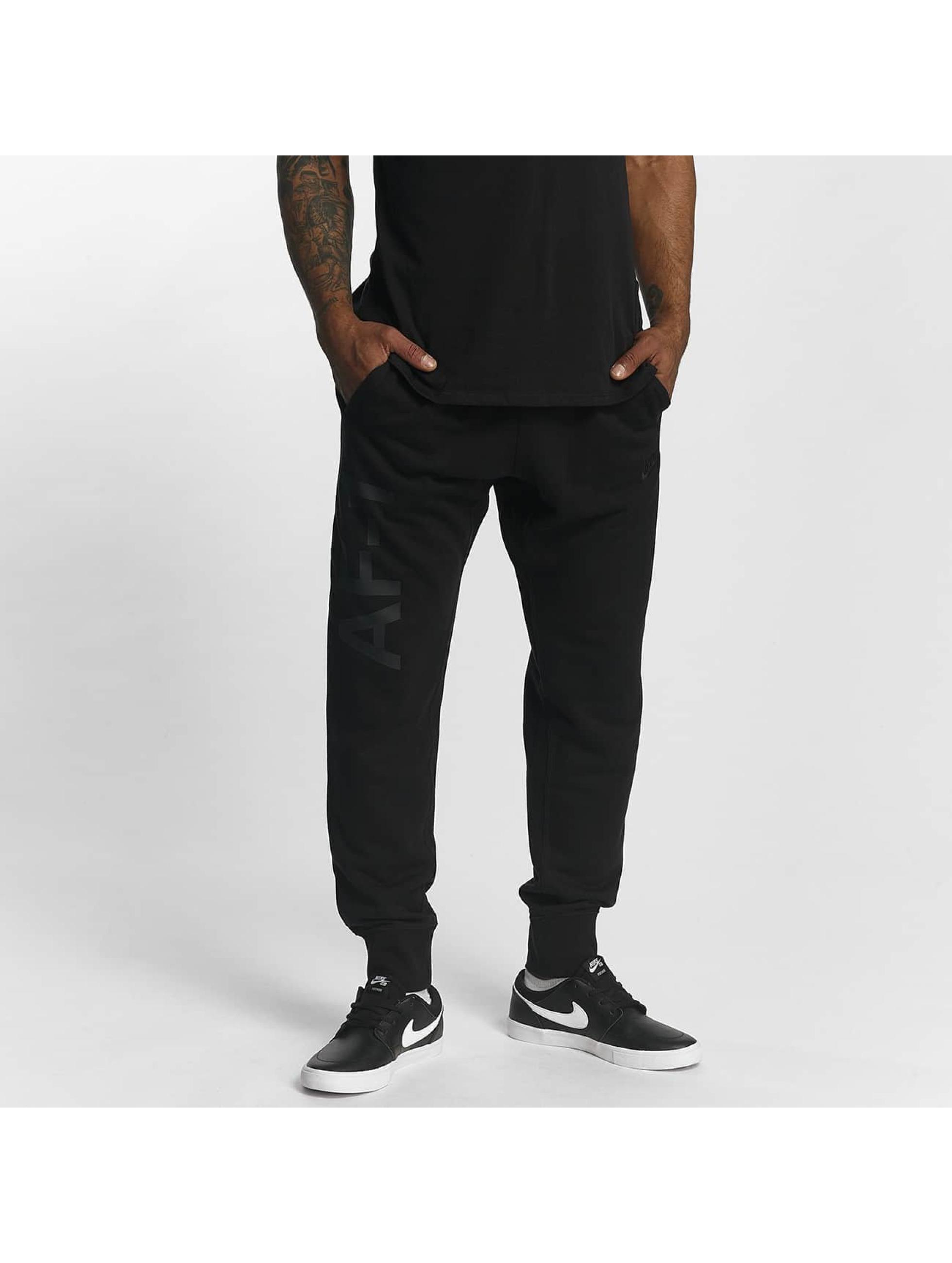 Nike Männer Jogginghose NSW AF1 in schwarz