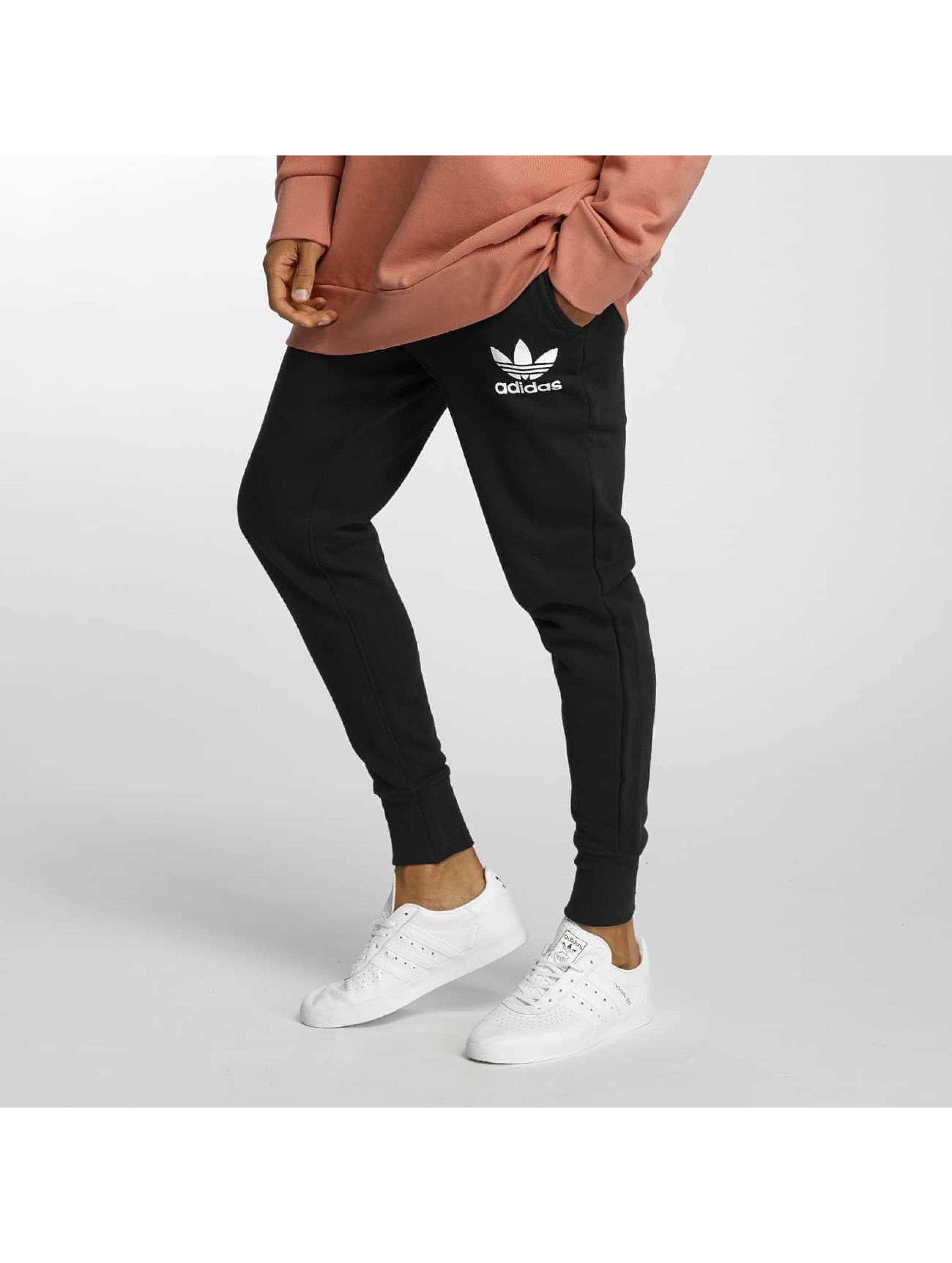 adidas Männer Jogginghose ADC F in schwarz