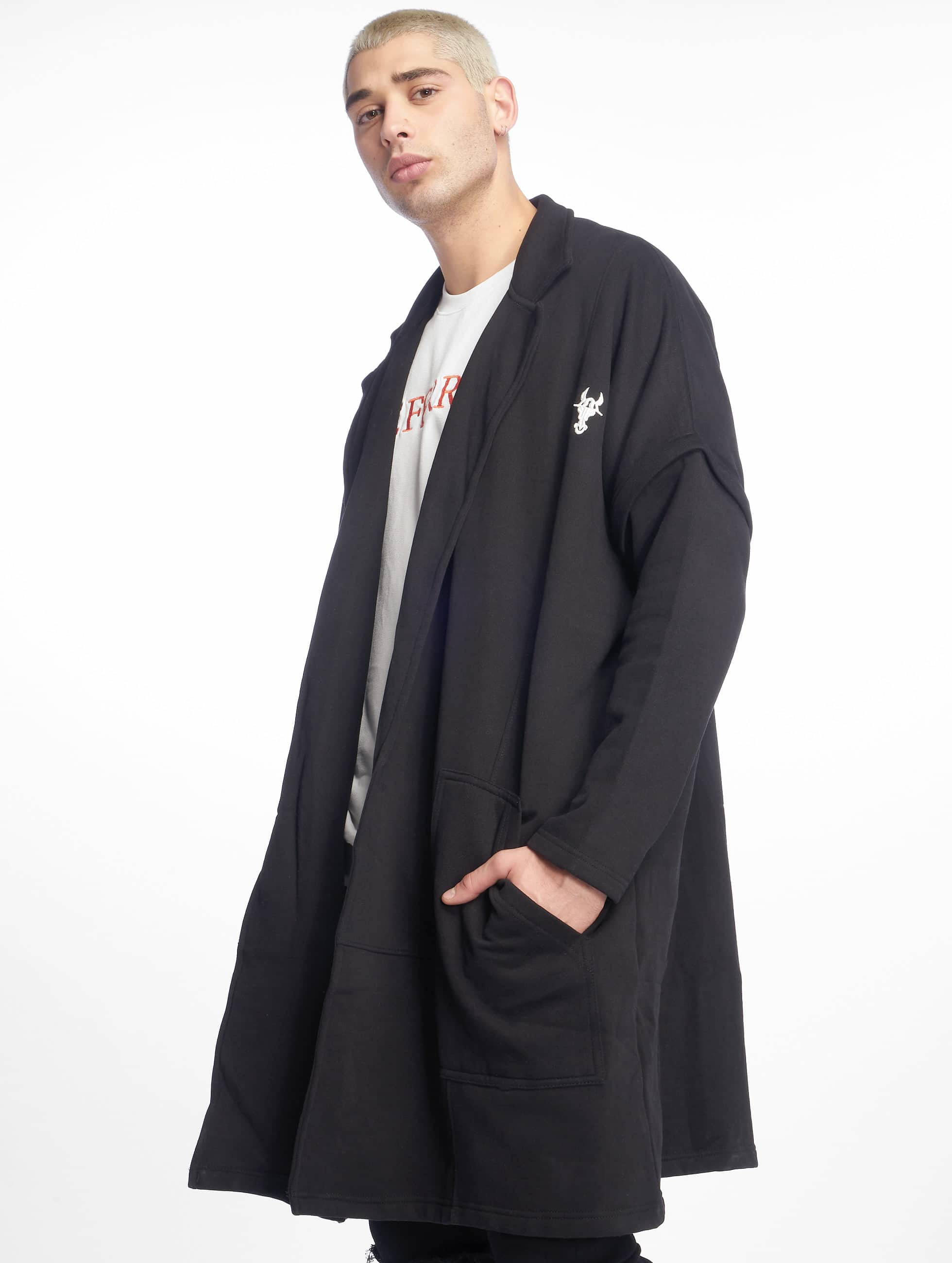 Cavallo de Ferro / Coats Coat in black XL