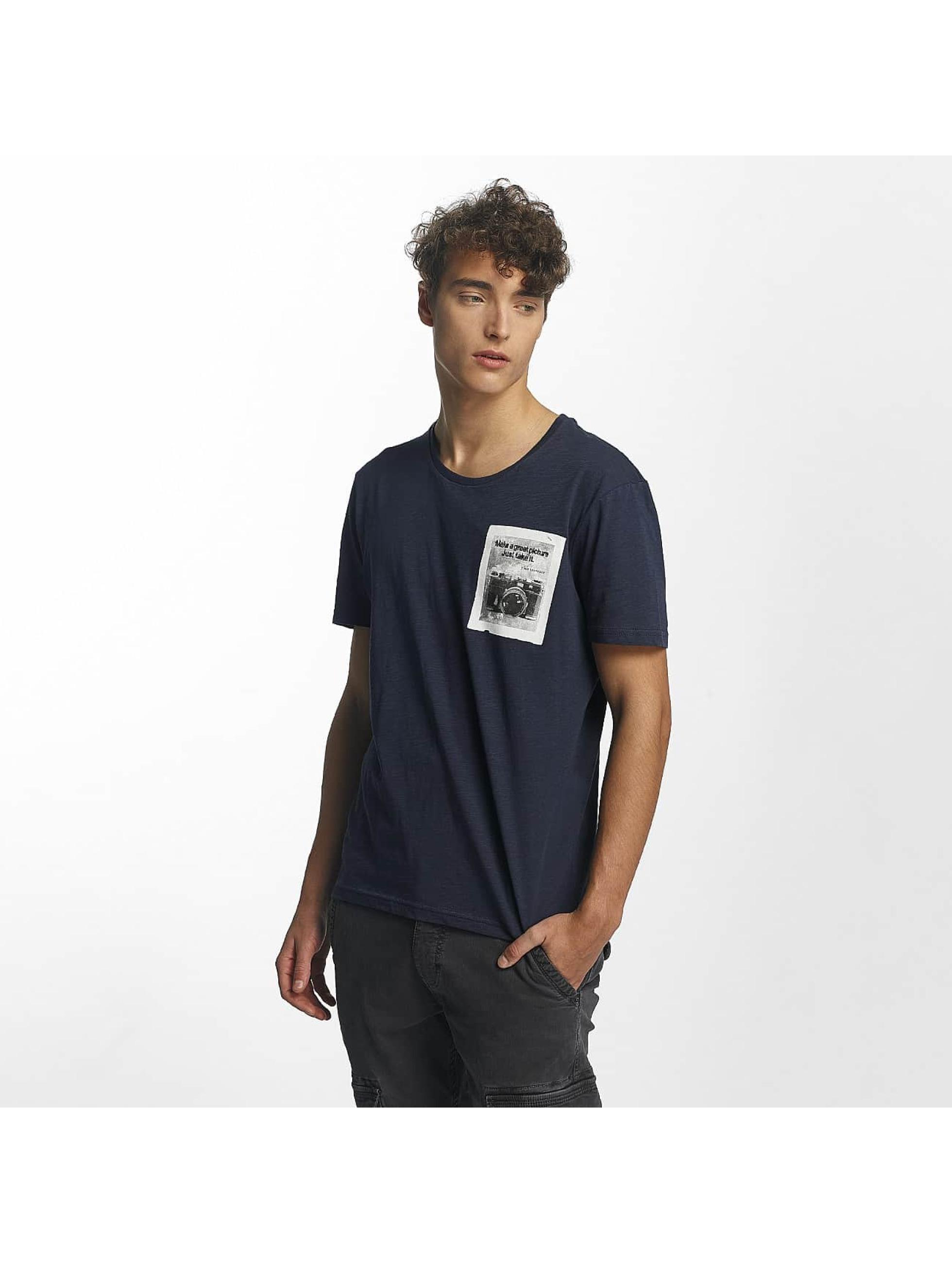 Mavi Jeans Männer T-Shirt Printed Pocket in indigo