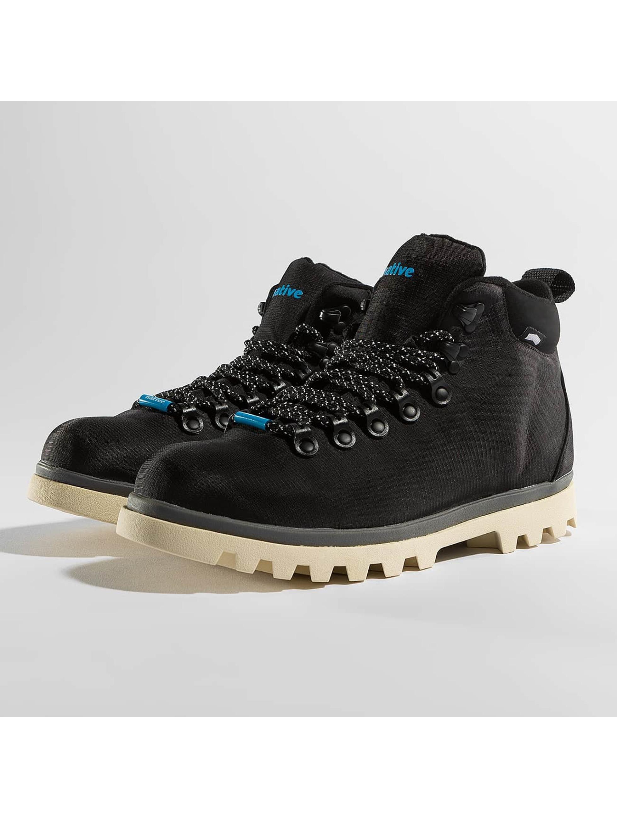 Native Männer Boots Fitzsimmons TrekLite in schwarz