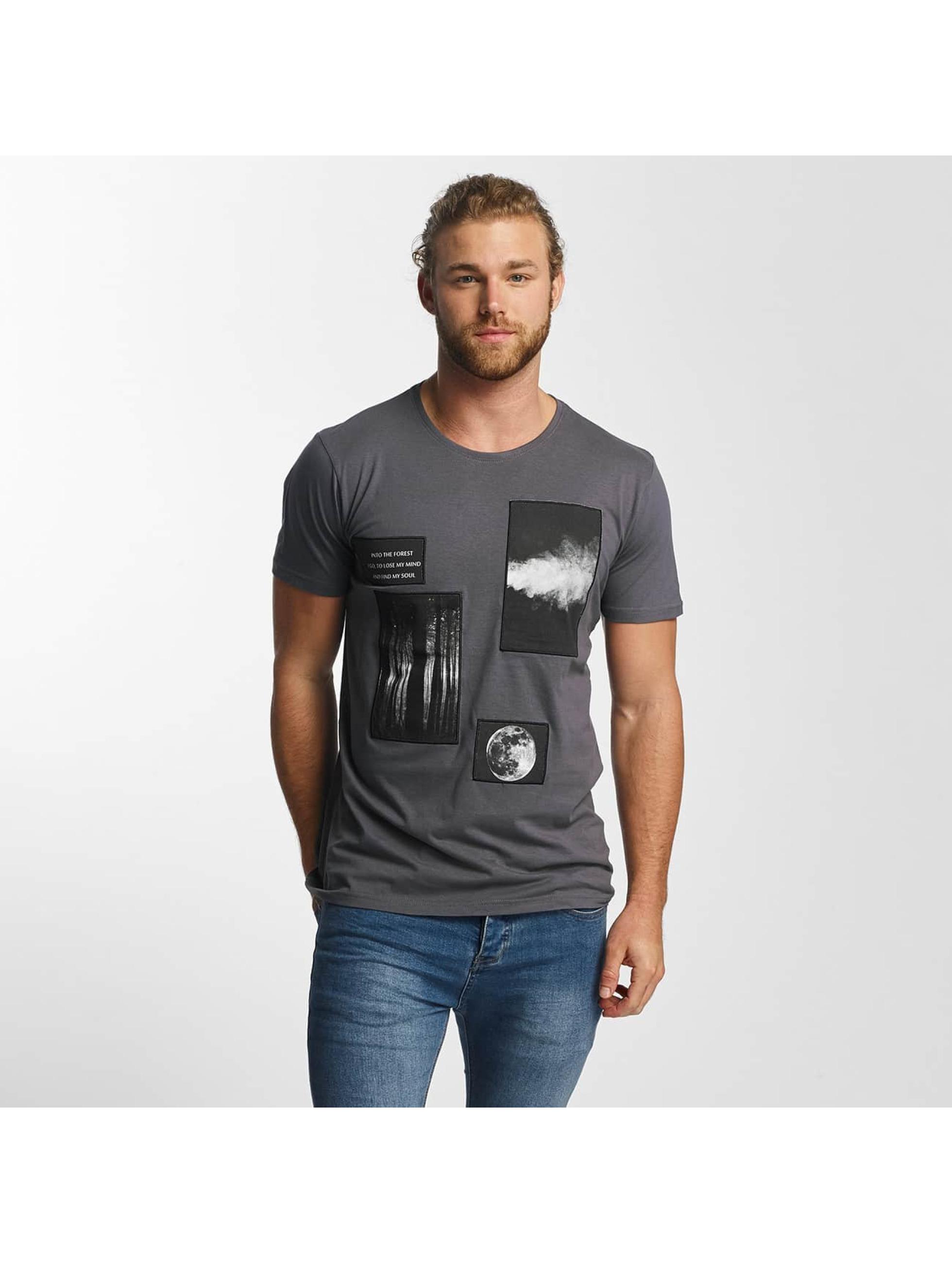 Sky Rebel Männer T-Shirt Lean in blau