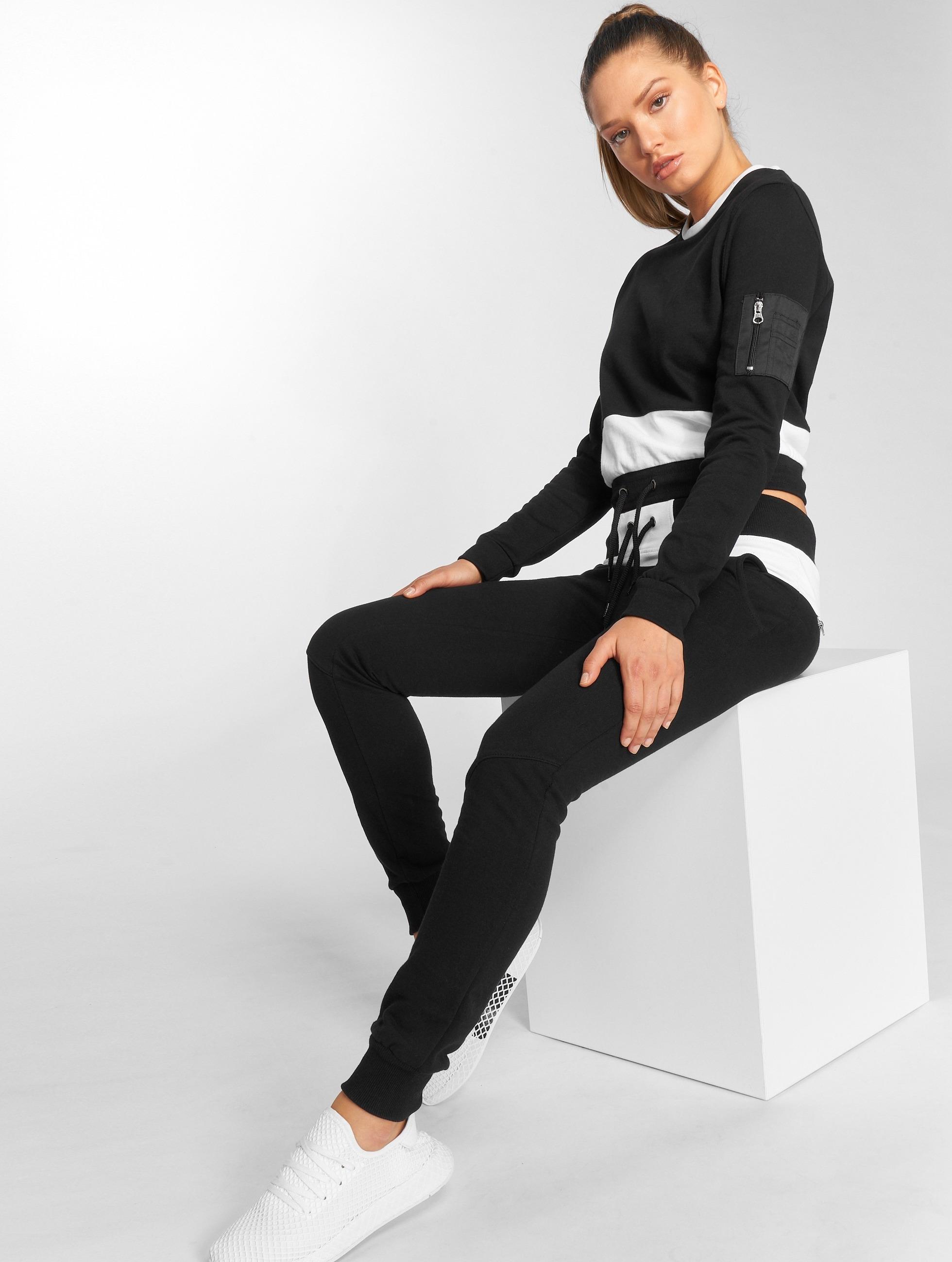 DEF Frauen Anzug Sweat Suit in schwarz