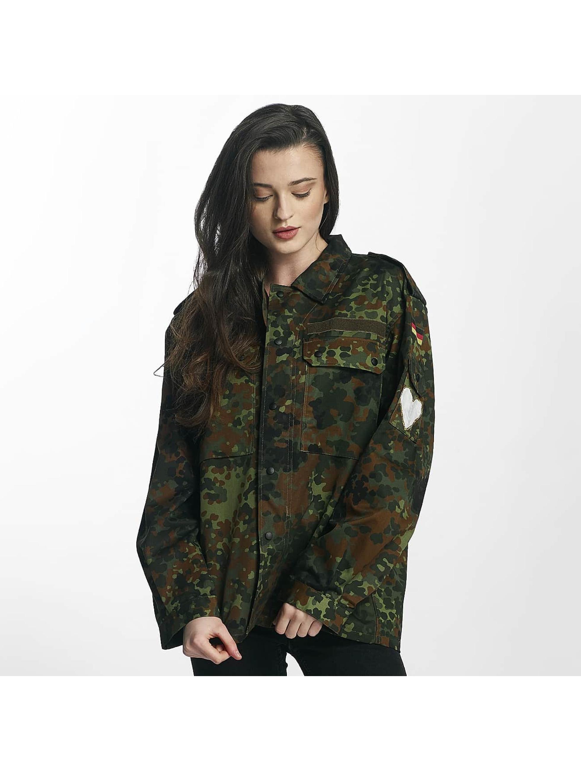 Soniush Frauen Übergangsjacke Club in camouflage