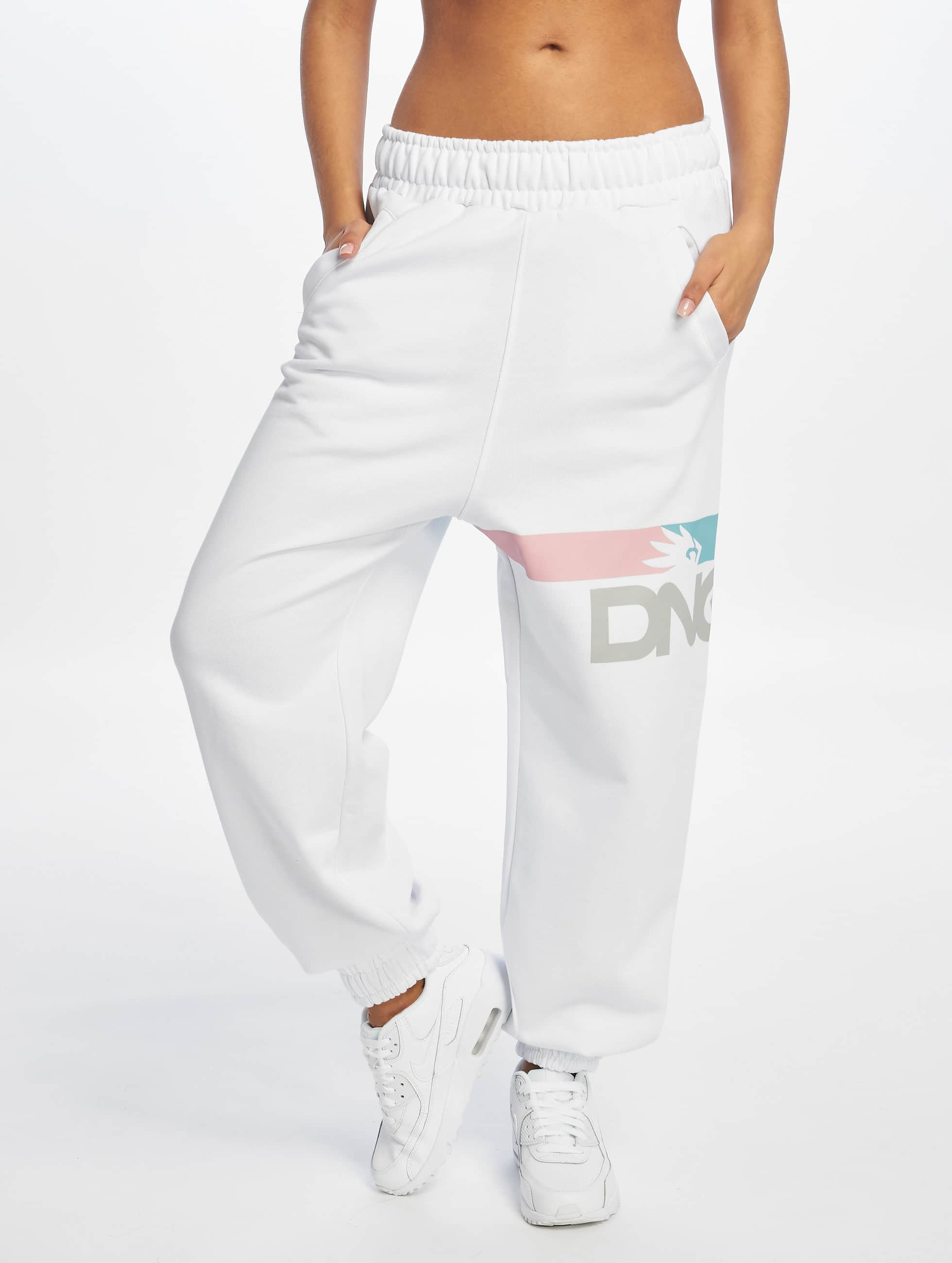 Dangerous DNGRS / Sweat Pant Base in white XS