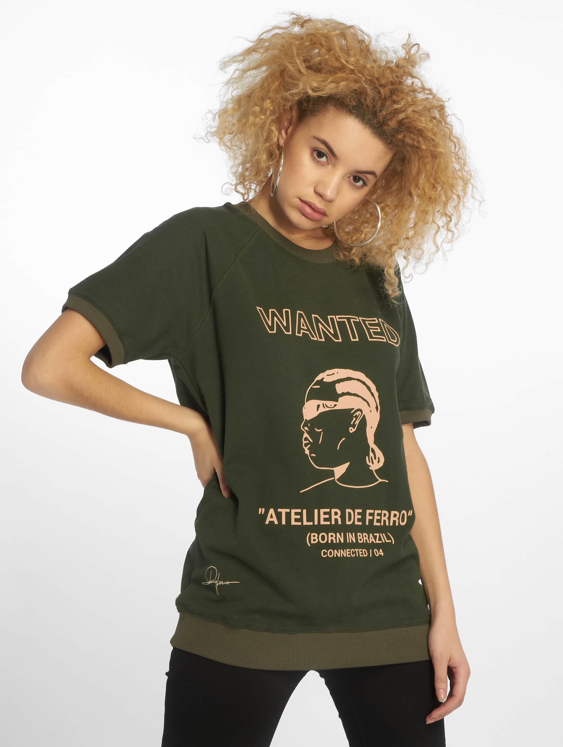 De Ferro / T-Shirt T Wanted in green XXL
