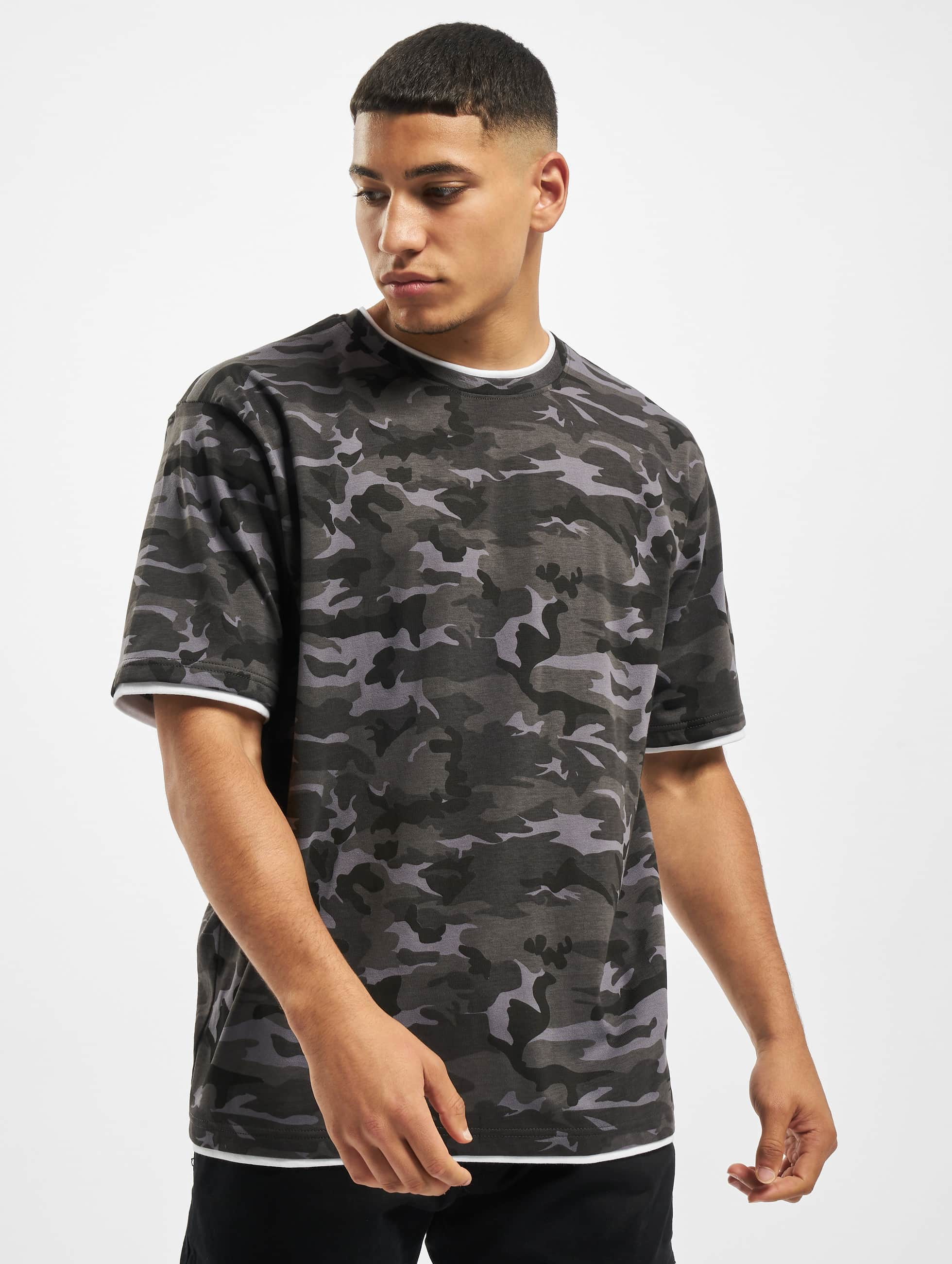 DEF / T-Shirt Basic in camouflage XL
