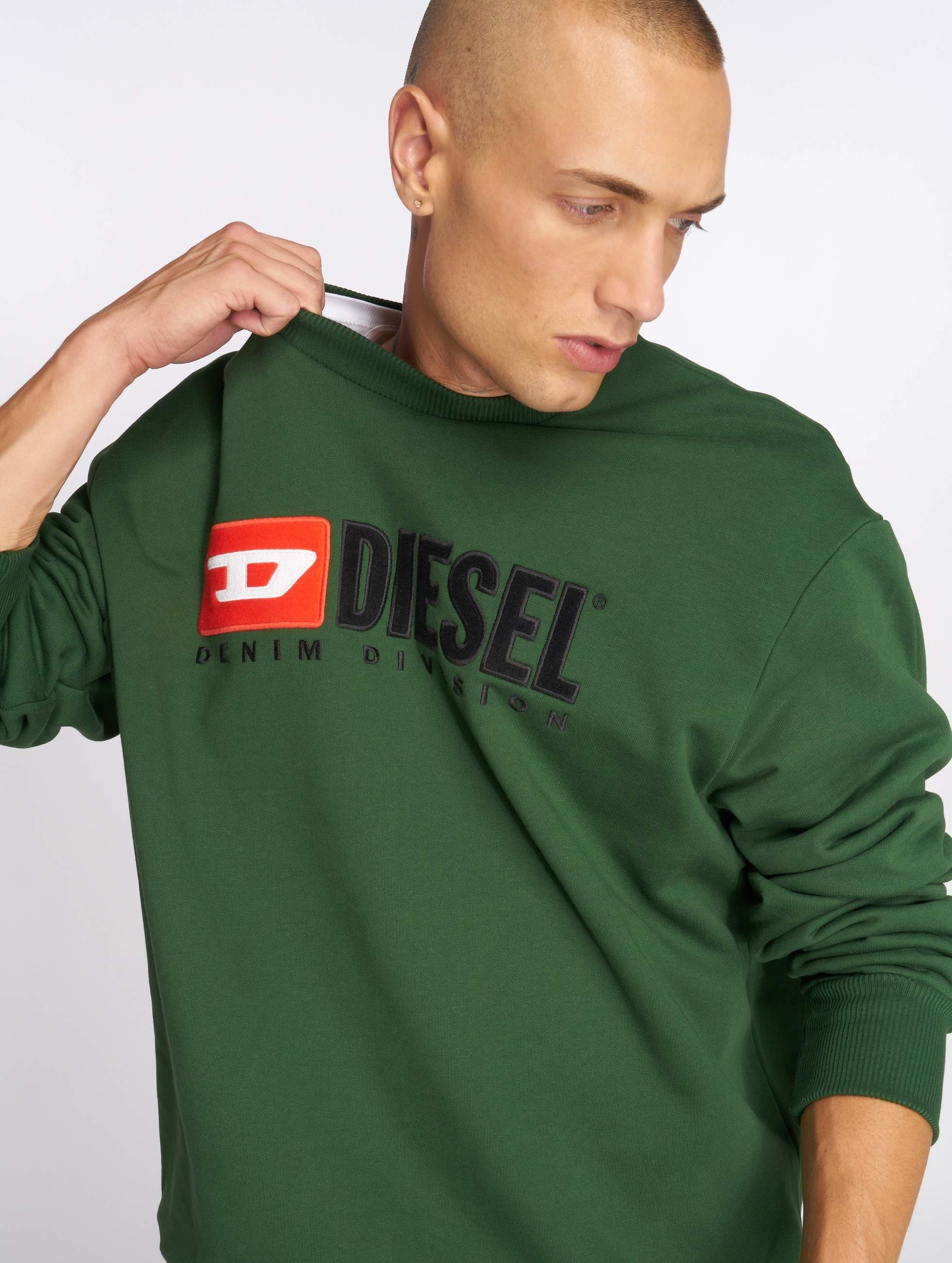 diesel herren pullover s crew division in gr n 533527. Black Bedroom Furniture Sets. Home Design Ideas
