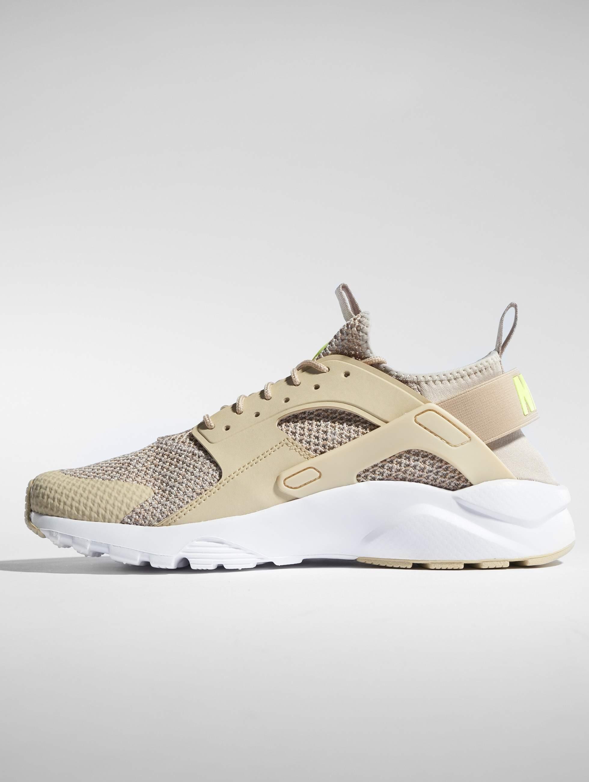 the latest 81df8 e2554 Nike   Air Huarache Run Ultra Se beige Homme Baskets 536049