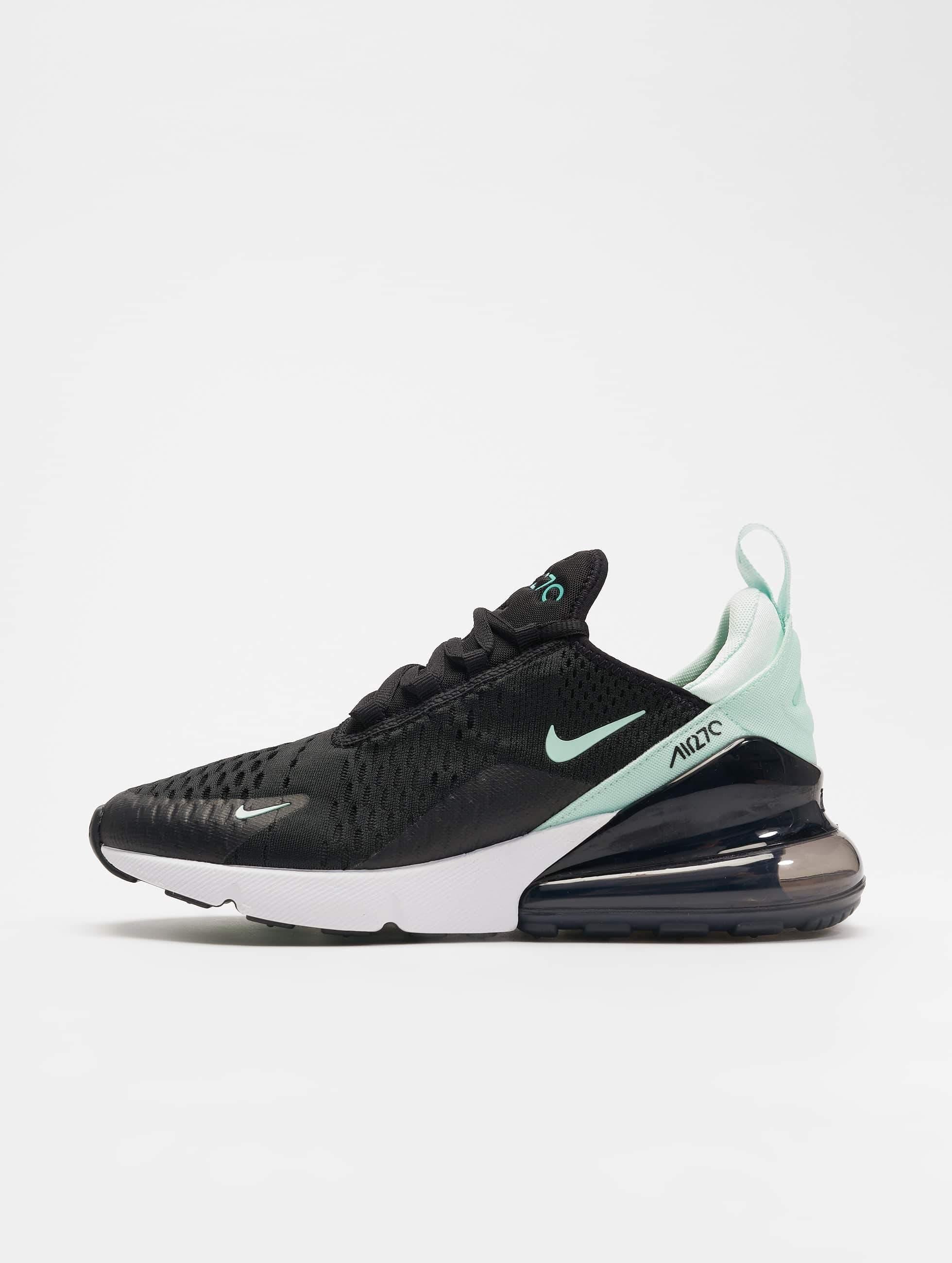 a876d4e3ecc Nike