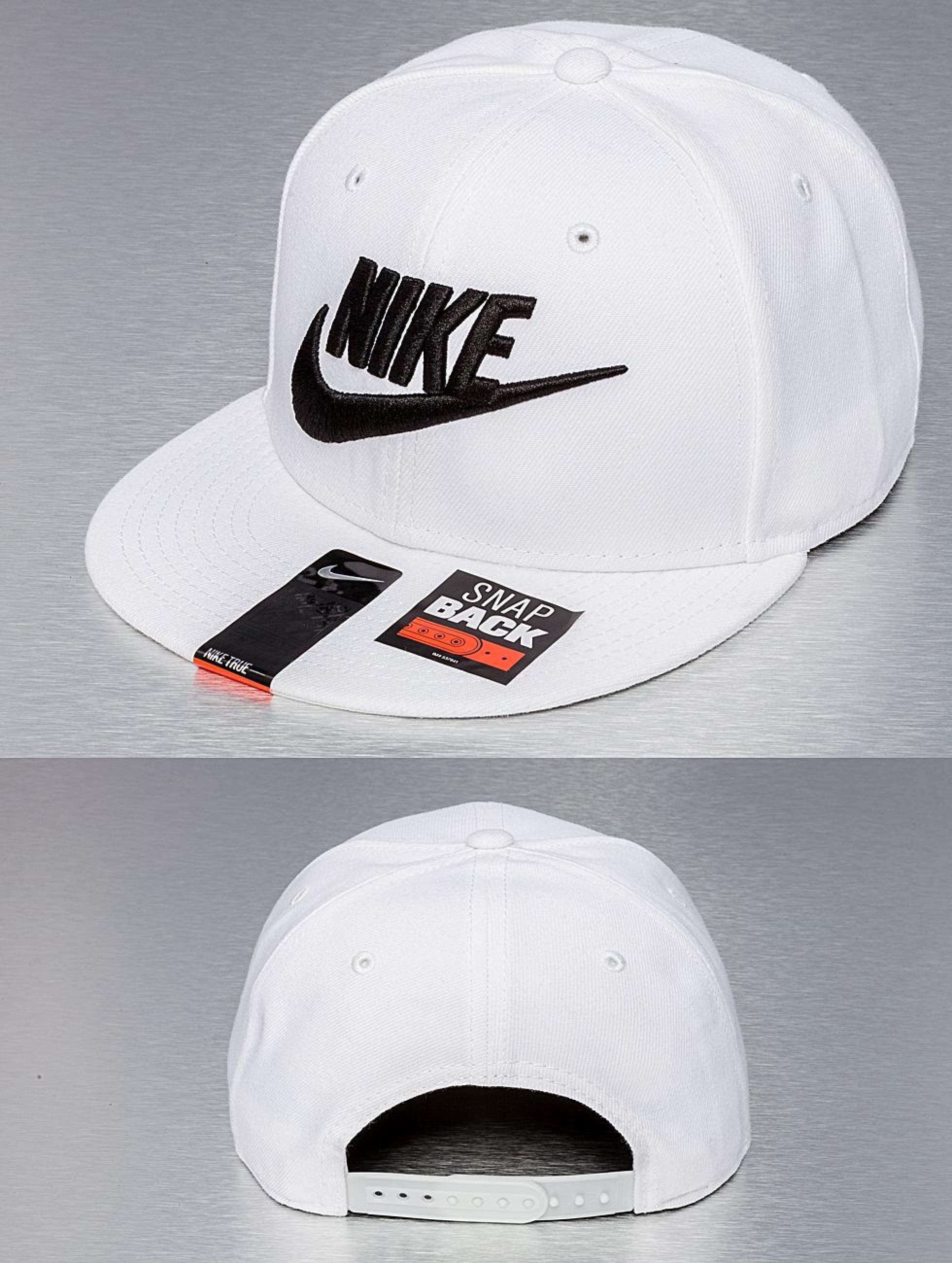 Nike Čepice se štítkem   Snapback Caps Futura True 2 v bílý 115325 f3cb5e084f