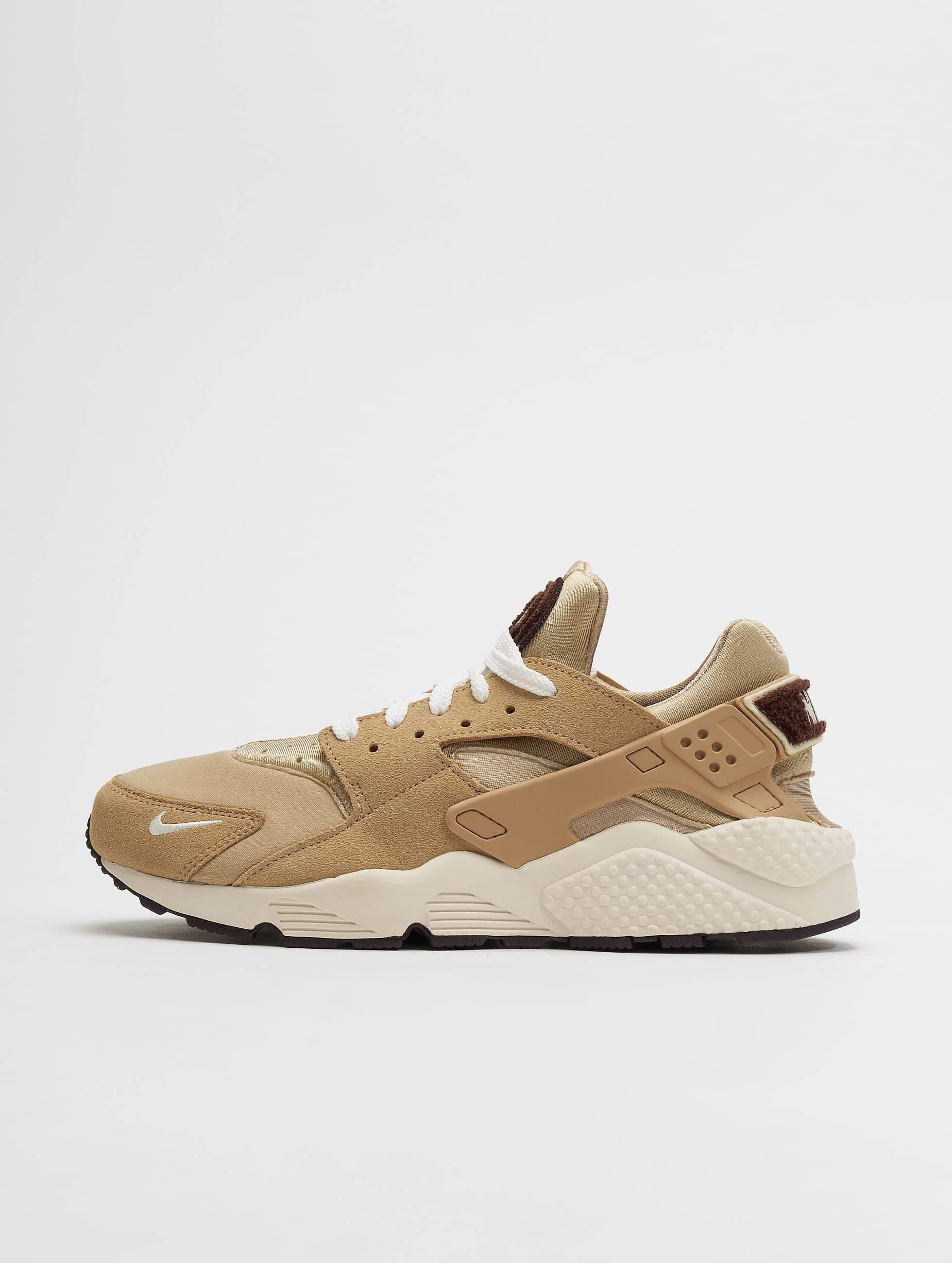 af813d91e13 Nike schoen / sneaker Air Huarache Run in beige 536031