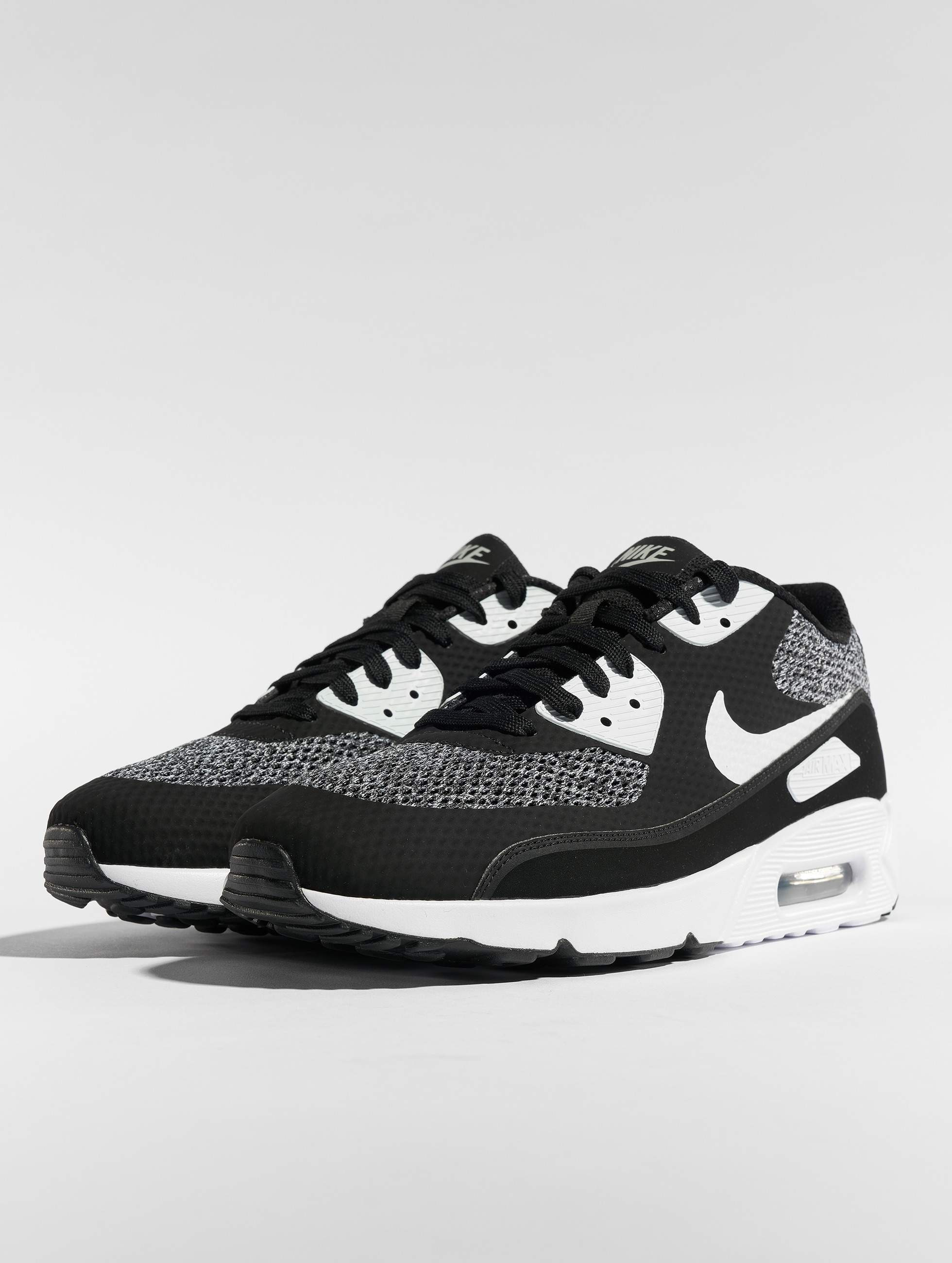 sports shoes b9cb1 aa1cf Nike Skor   Sneakers Air Max 90 Ultra 2.0 Essential i svart 537010