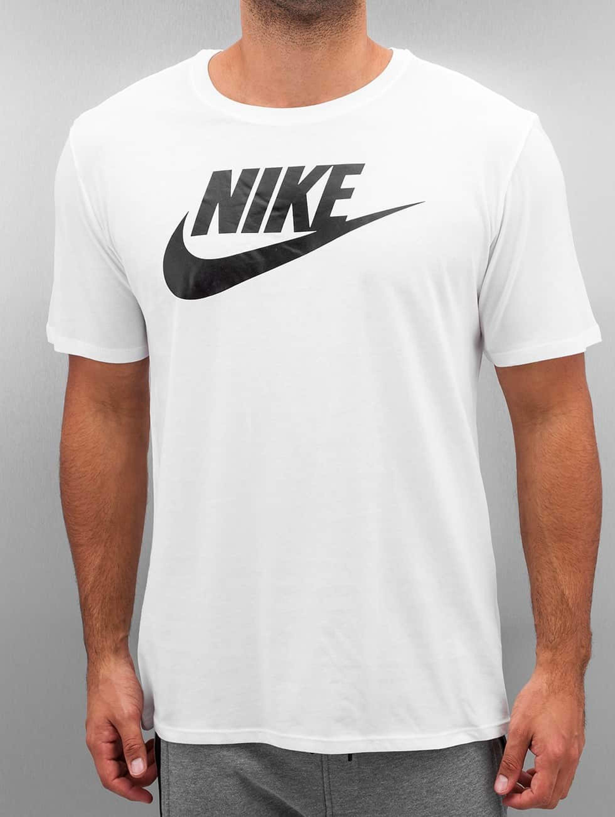 bdb62260eafc Nike Herren T-Shirt Futura Icon in weiß 285366