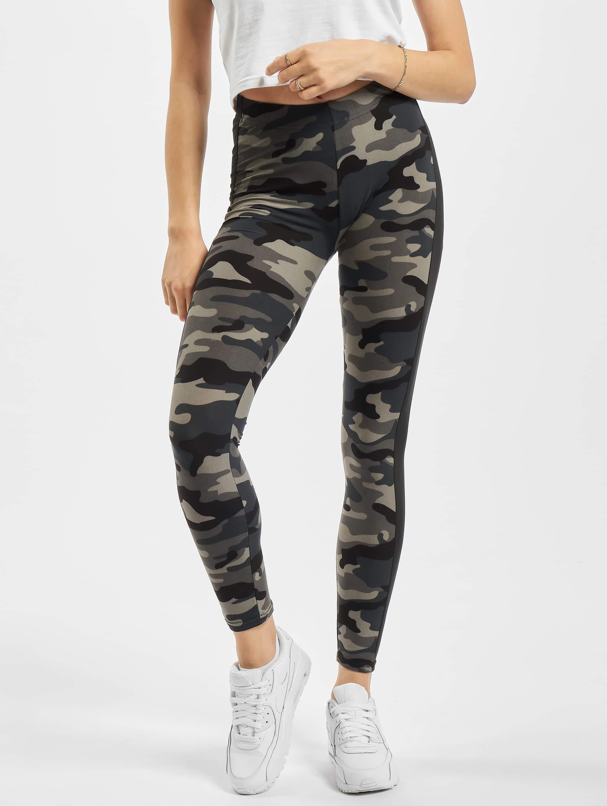 db34004fa08ea Urban Classics Damen Legging Camo Stripe in camouflage 305151