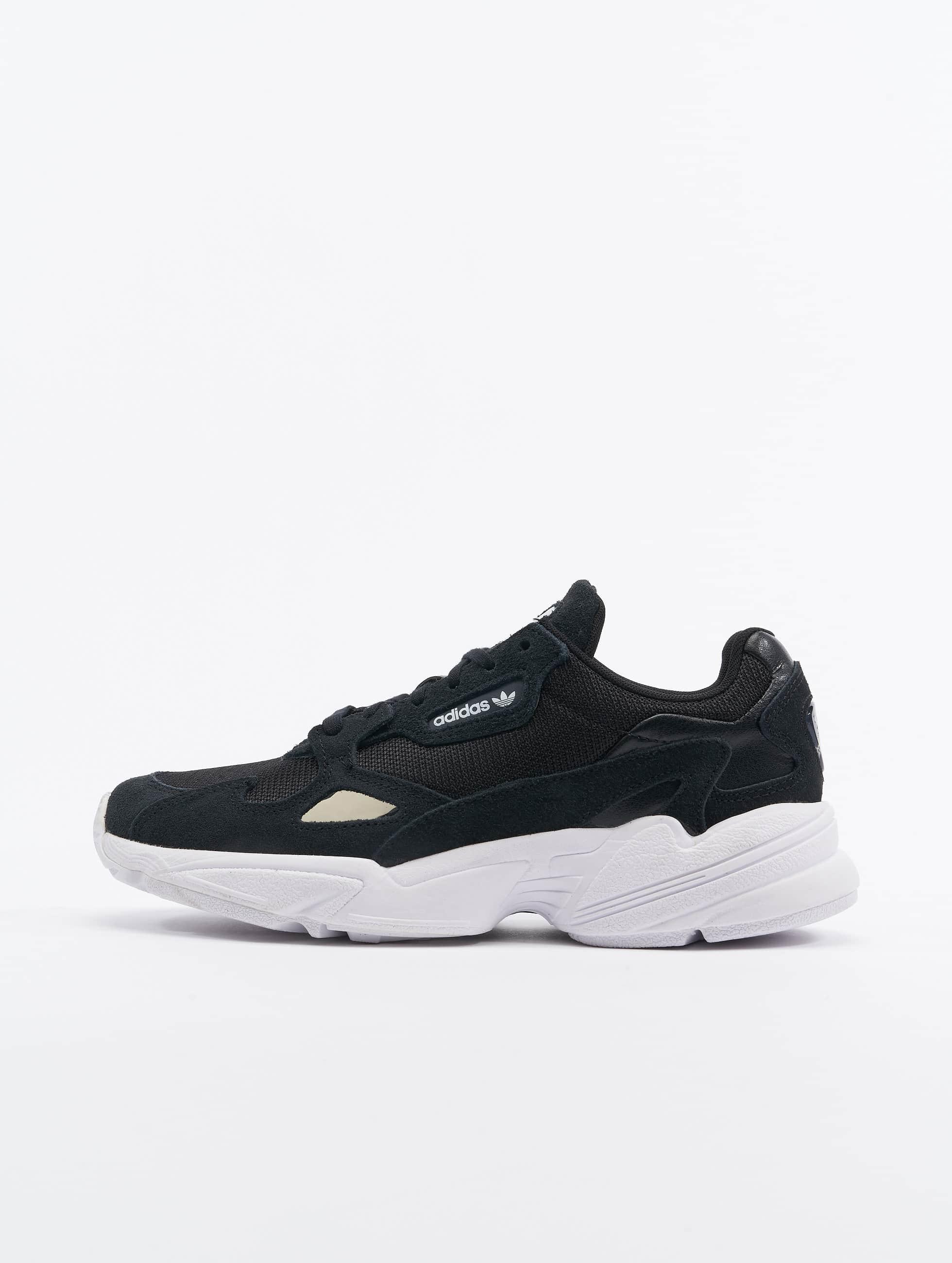 0056f8bf00a adidas originals schoen / sneaker Falcon in zwart 497932