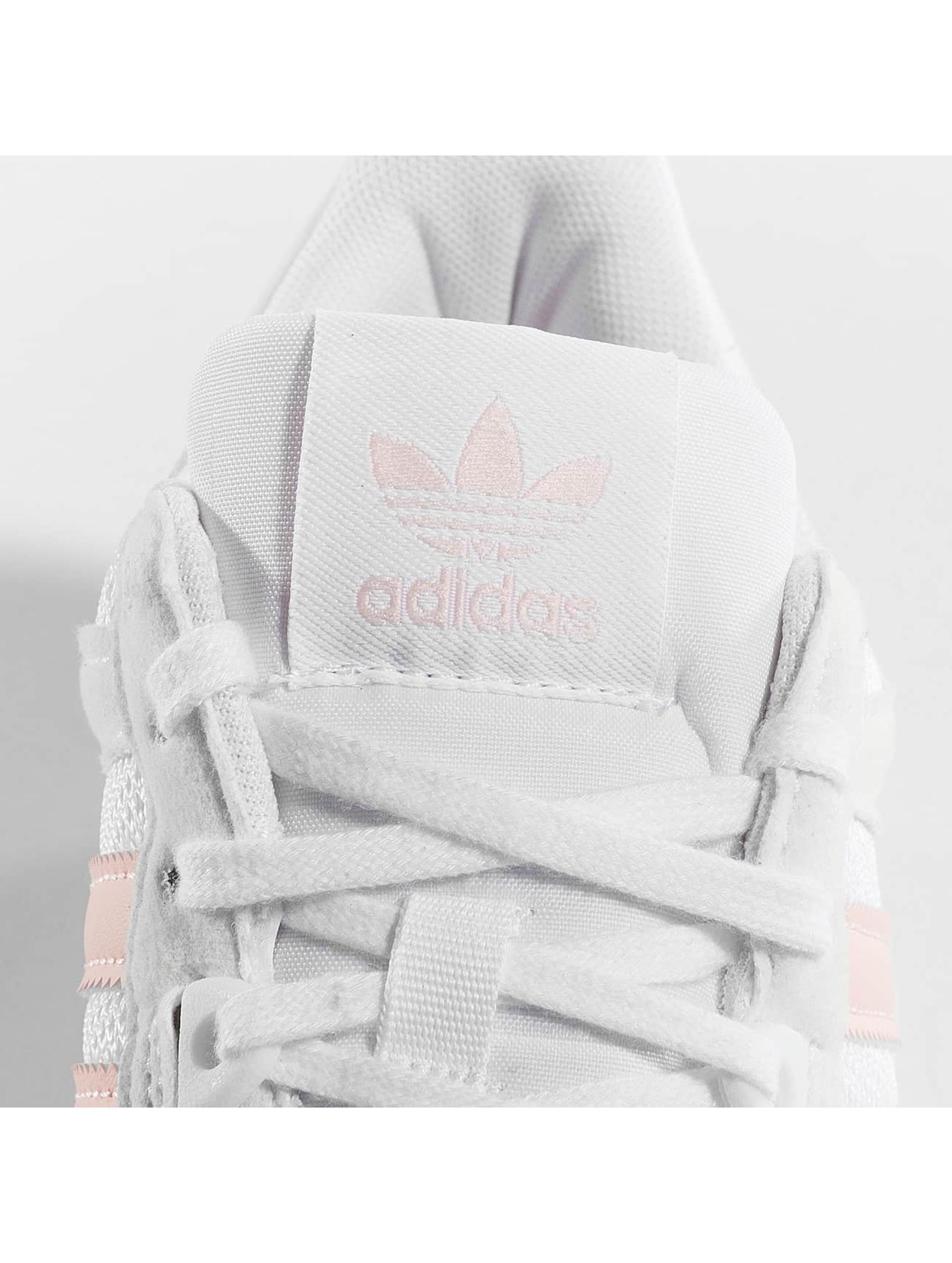 adidas Сникеры ZX 700 W белый