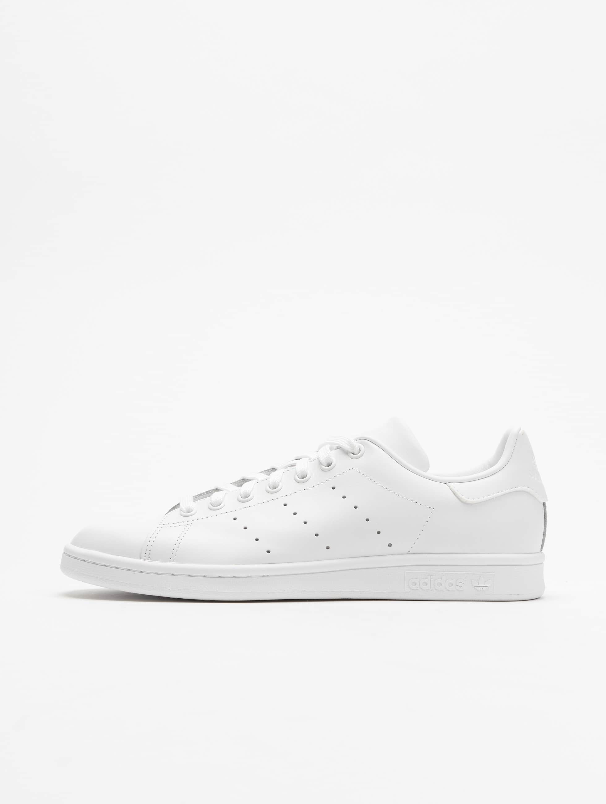 adidas Chaussures / Baskets Stan Smith en blanc