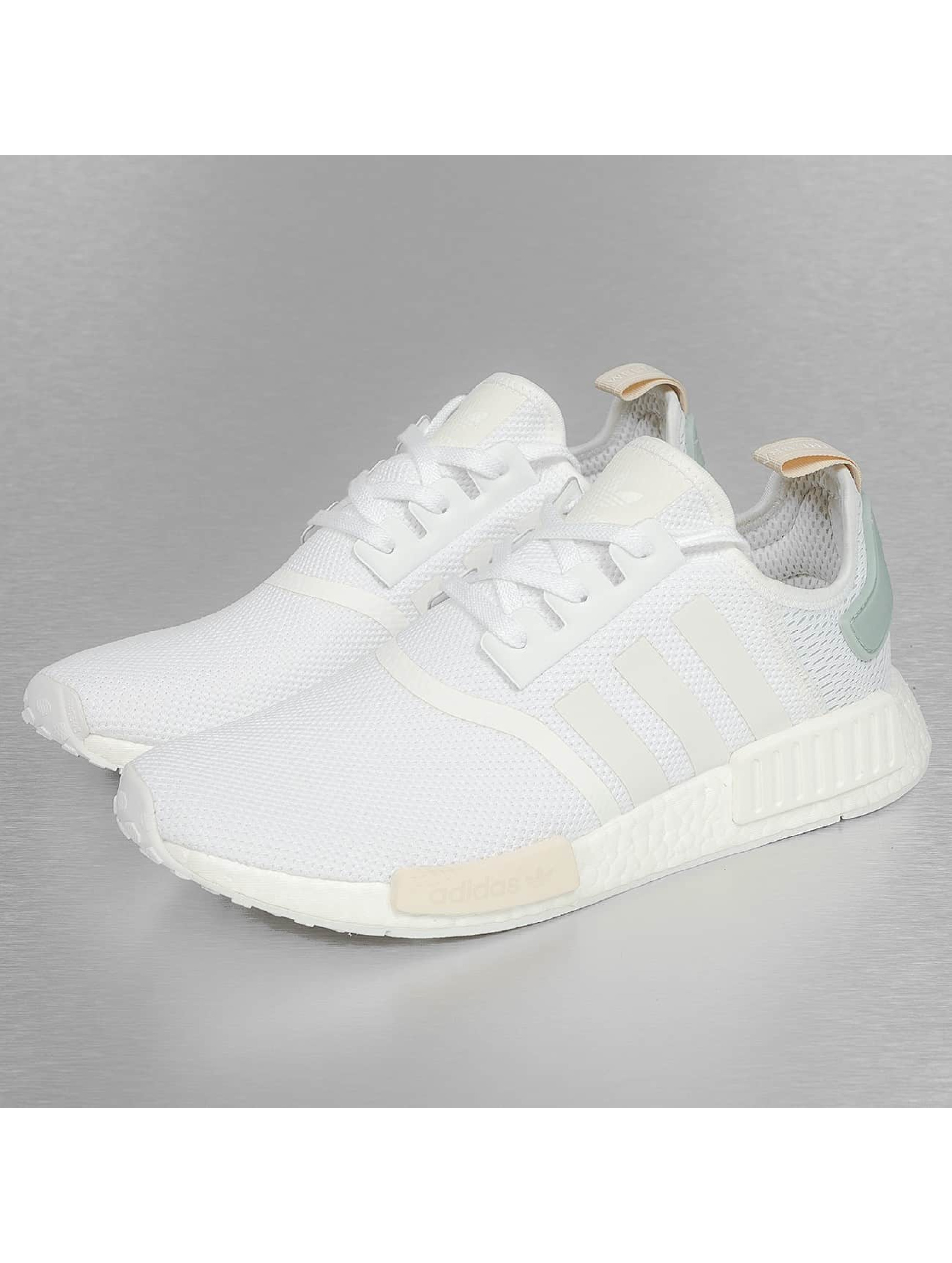 adidas Chaussures / Baskets NMD R1 W en blanc