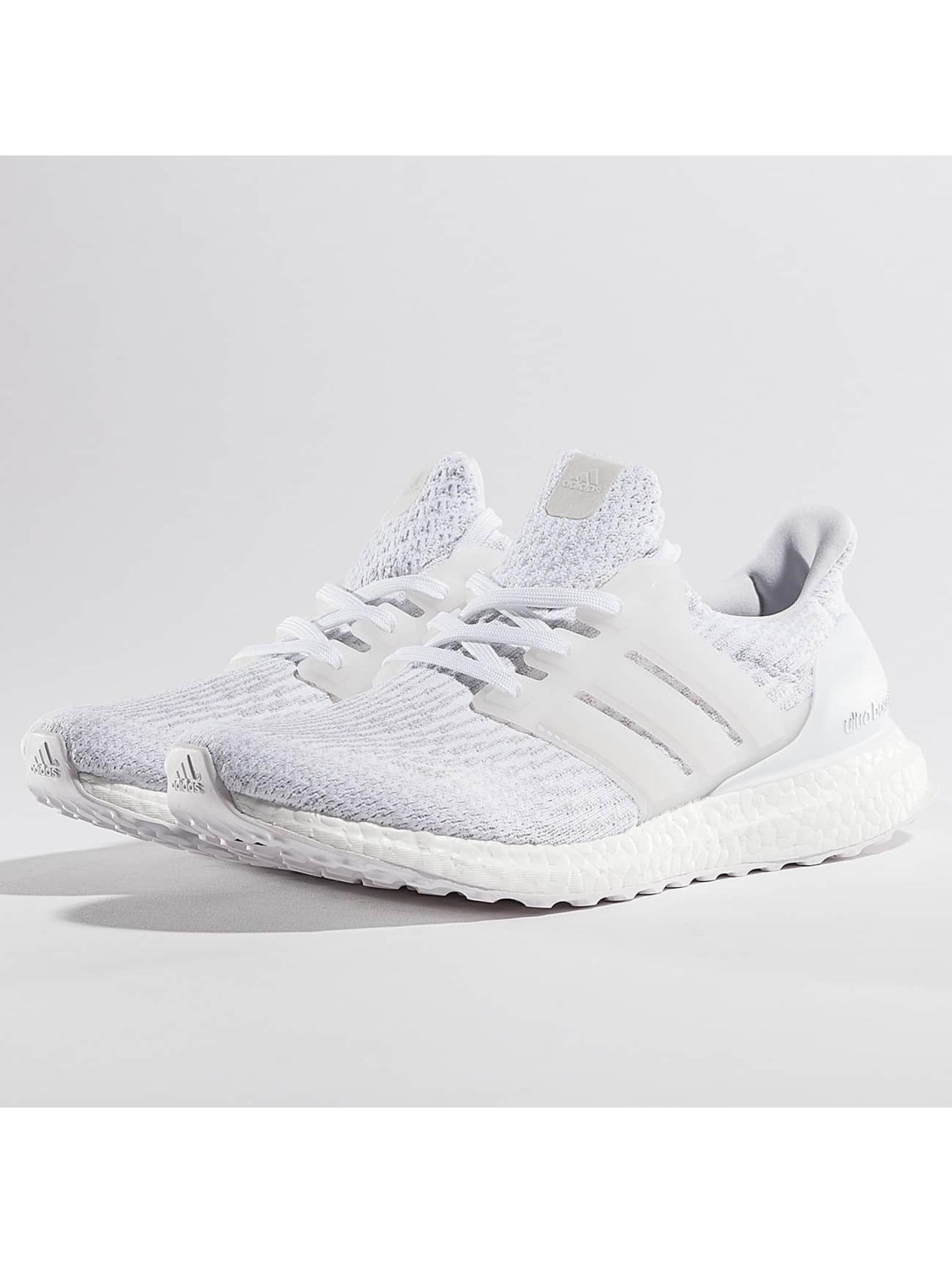 adidas Chaussures / Baskets Ultra Boost en blanc