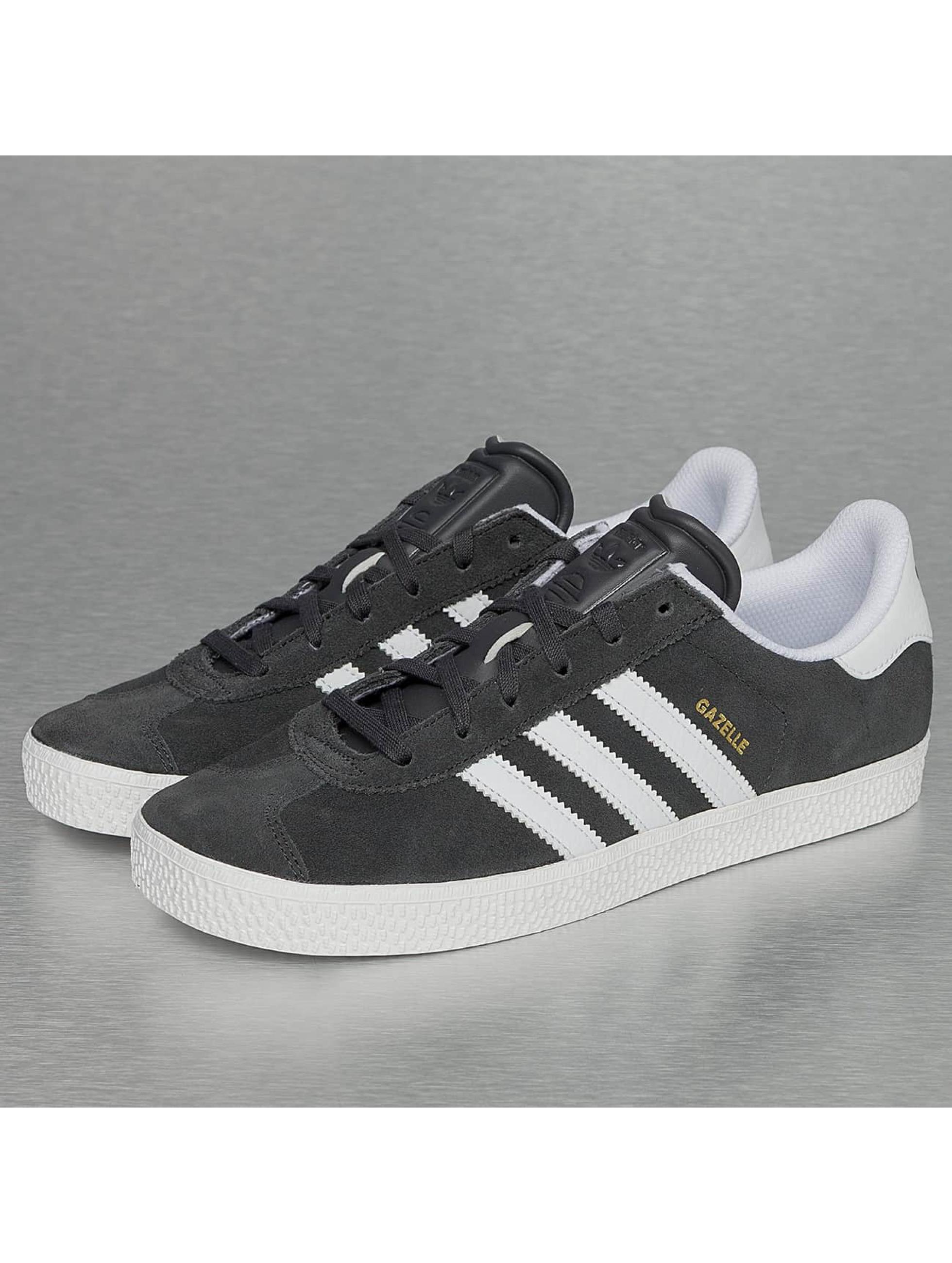 adidas Chaussures / Baskets Gazelle 2 en gris