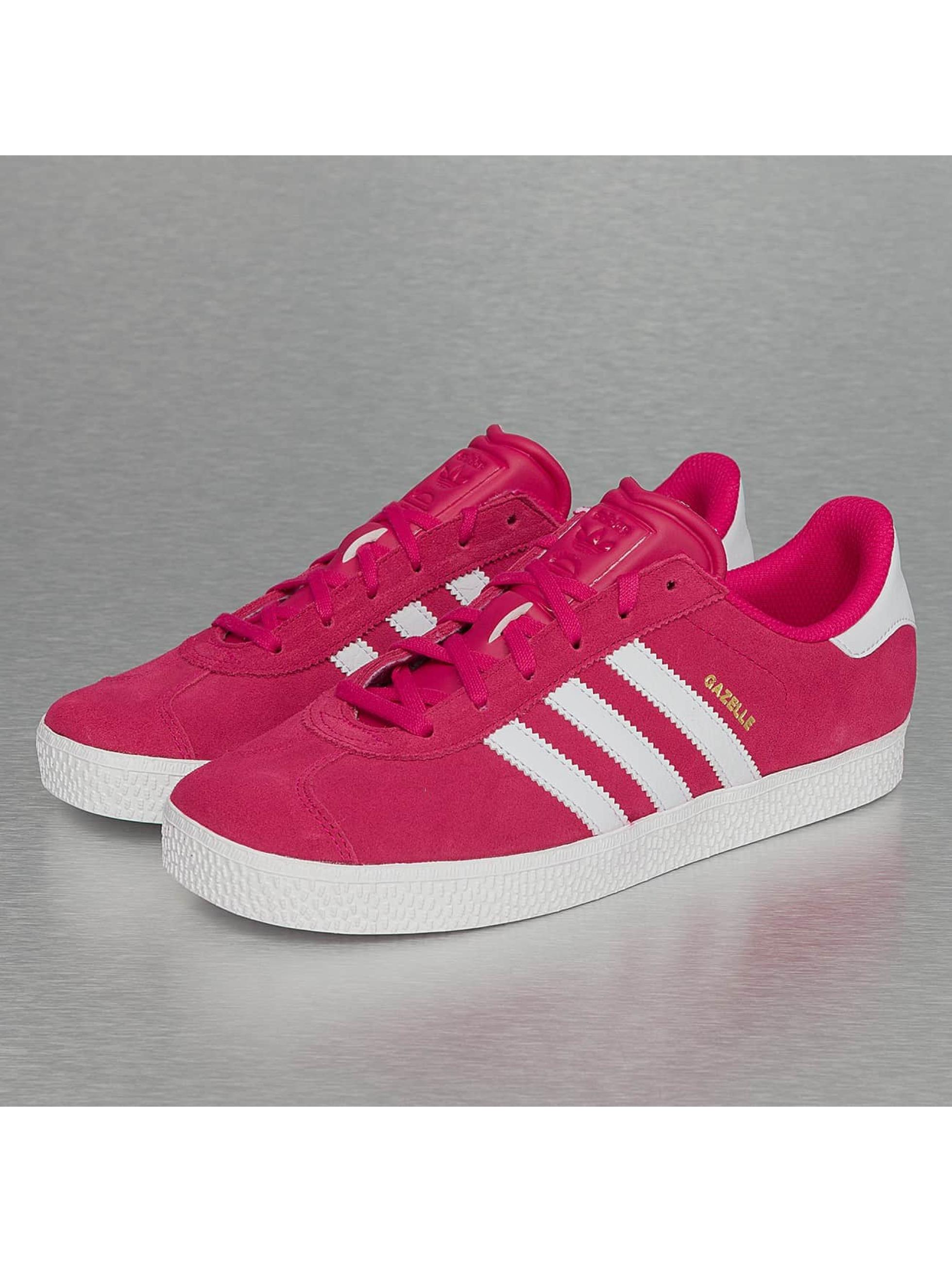 ... adidas Chaussures   Baskets Gazelle 2 en magenta ... b8f470a043