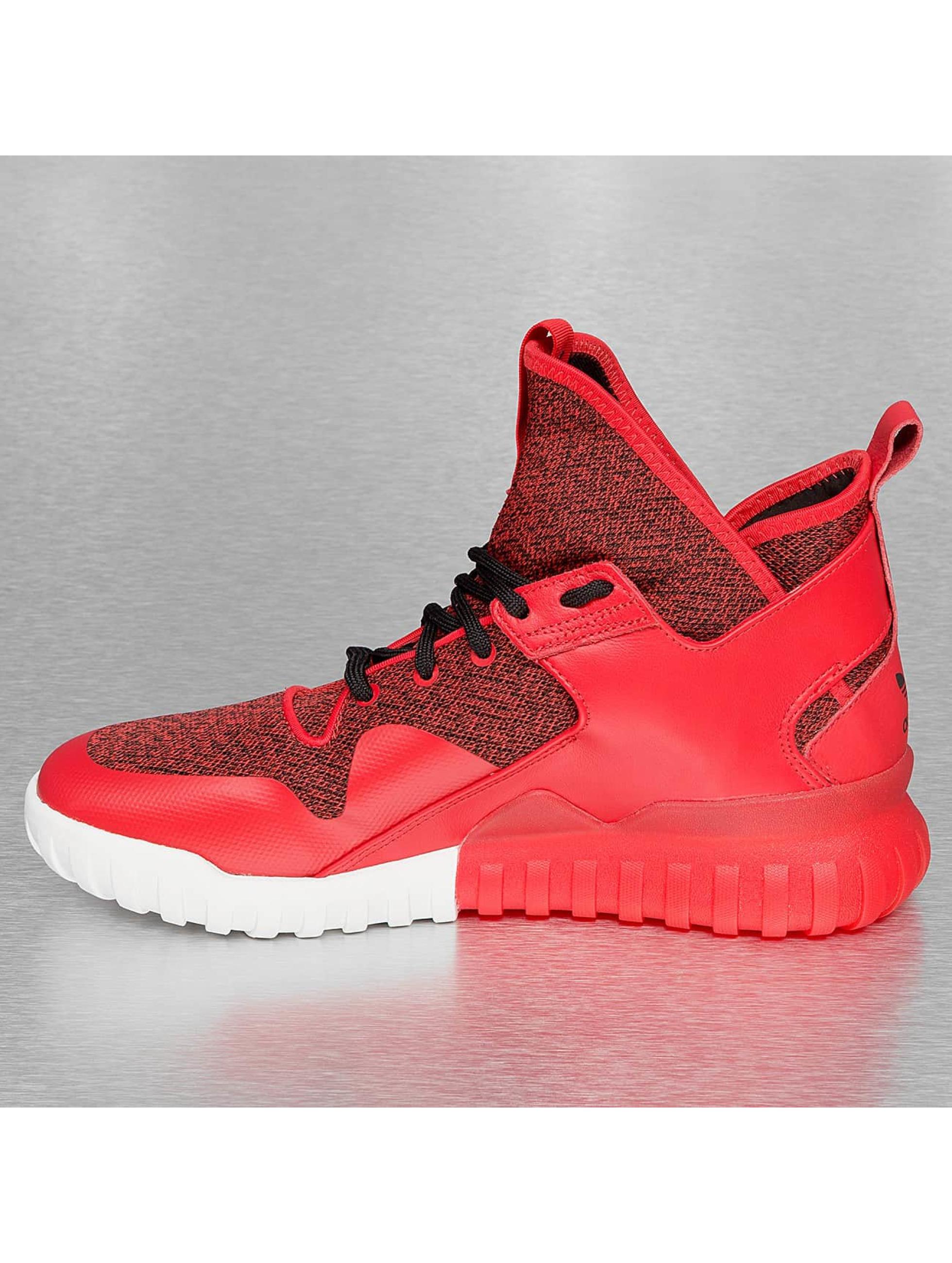 X Adidas Rouge