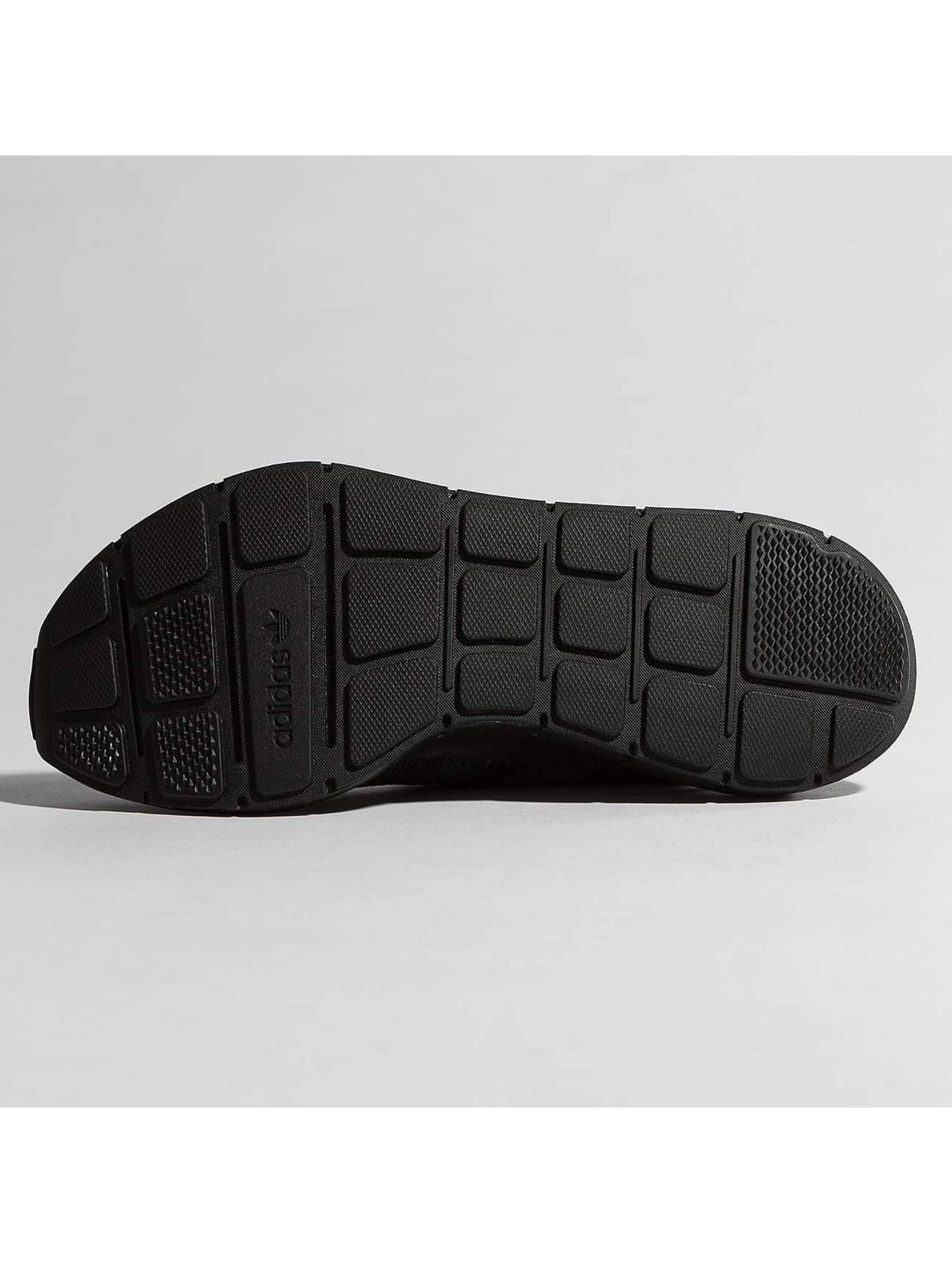 adidas originals Baskets Swift Run Pk noir