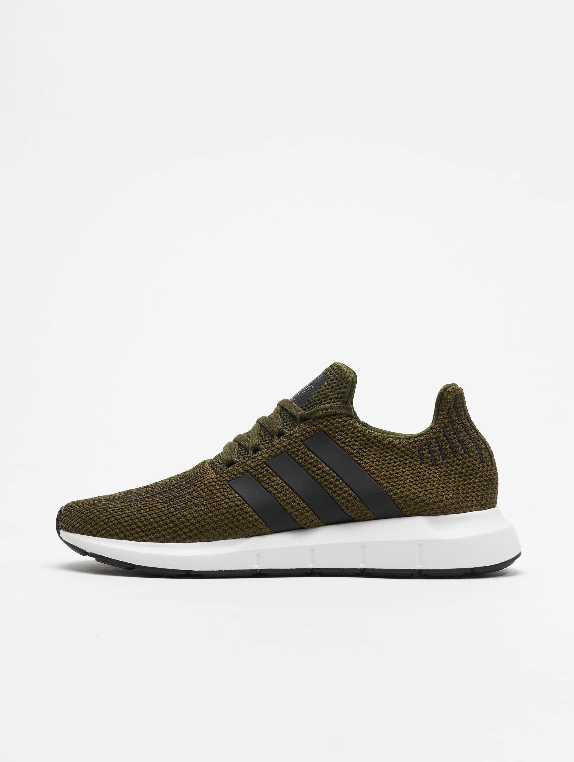 2db02fb14a2 adidas originals schoen / sneaker Swift Run in olijfgroen 543398