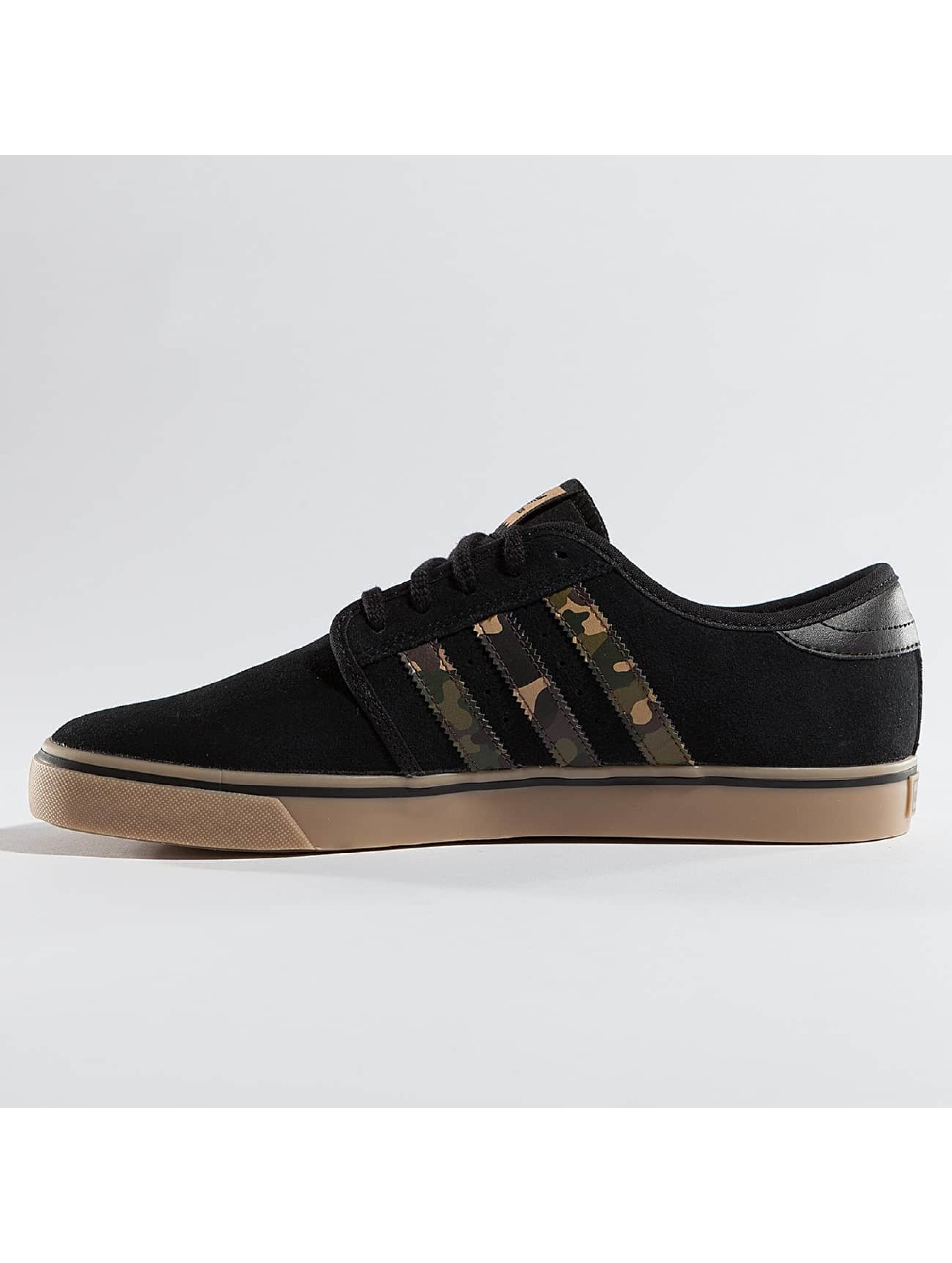 adidas originals Sneakers Seeley black