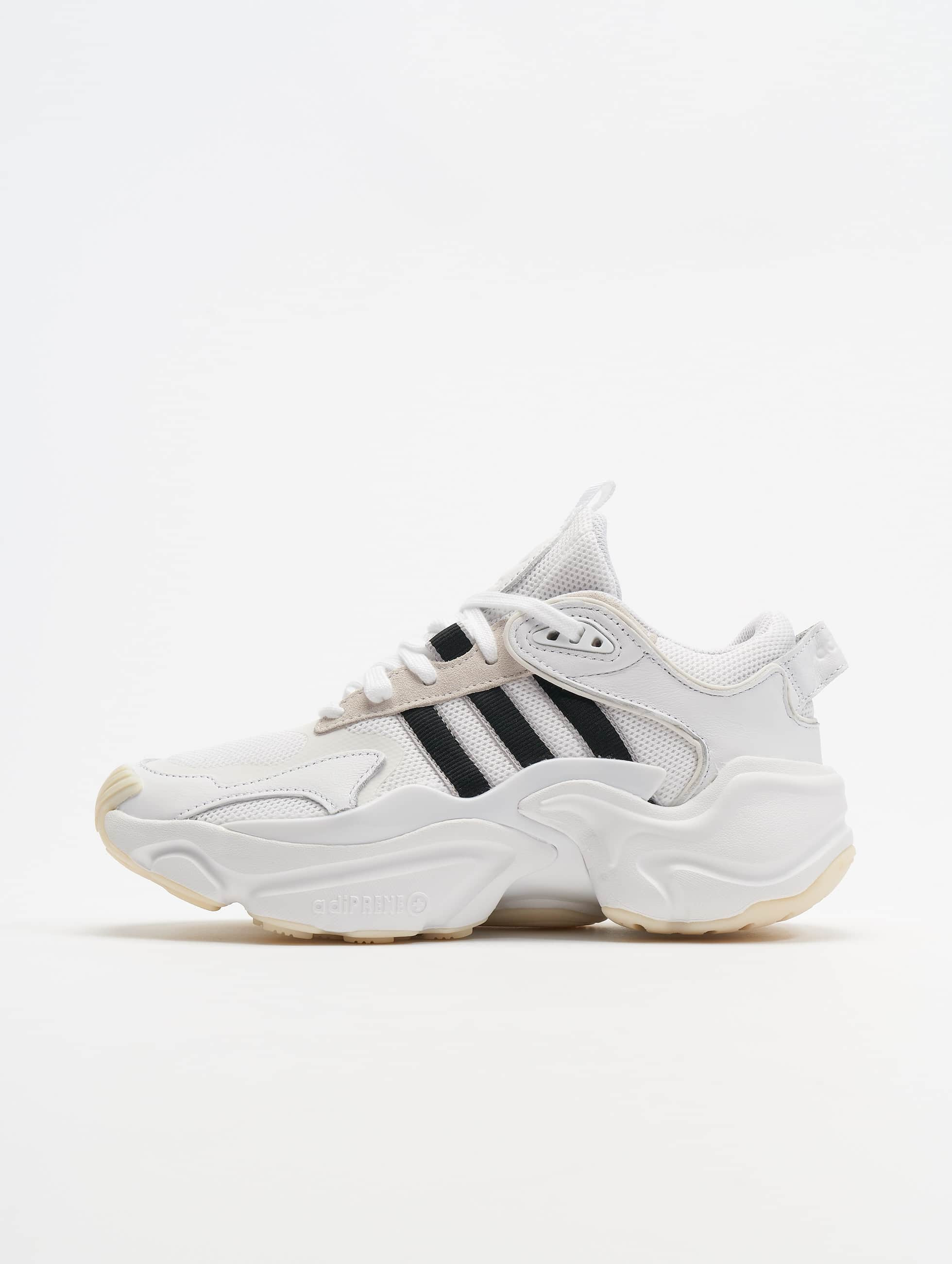 Adidas Originals Magmur Runner Sneakers WhiteCore BlackGrey