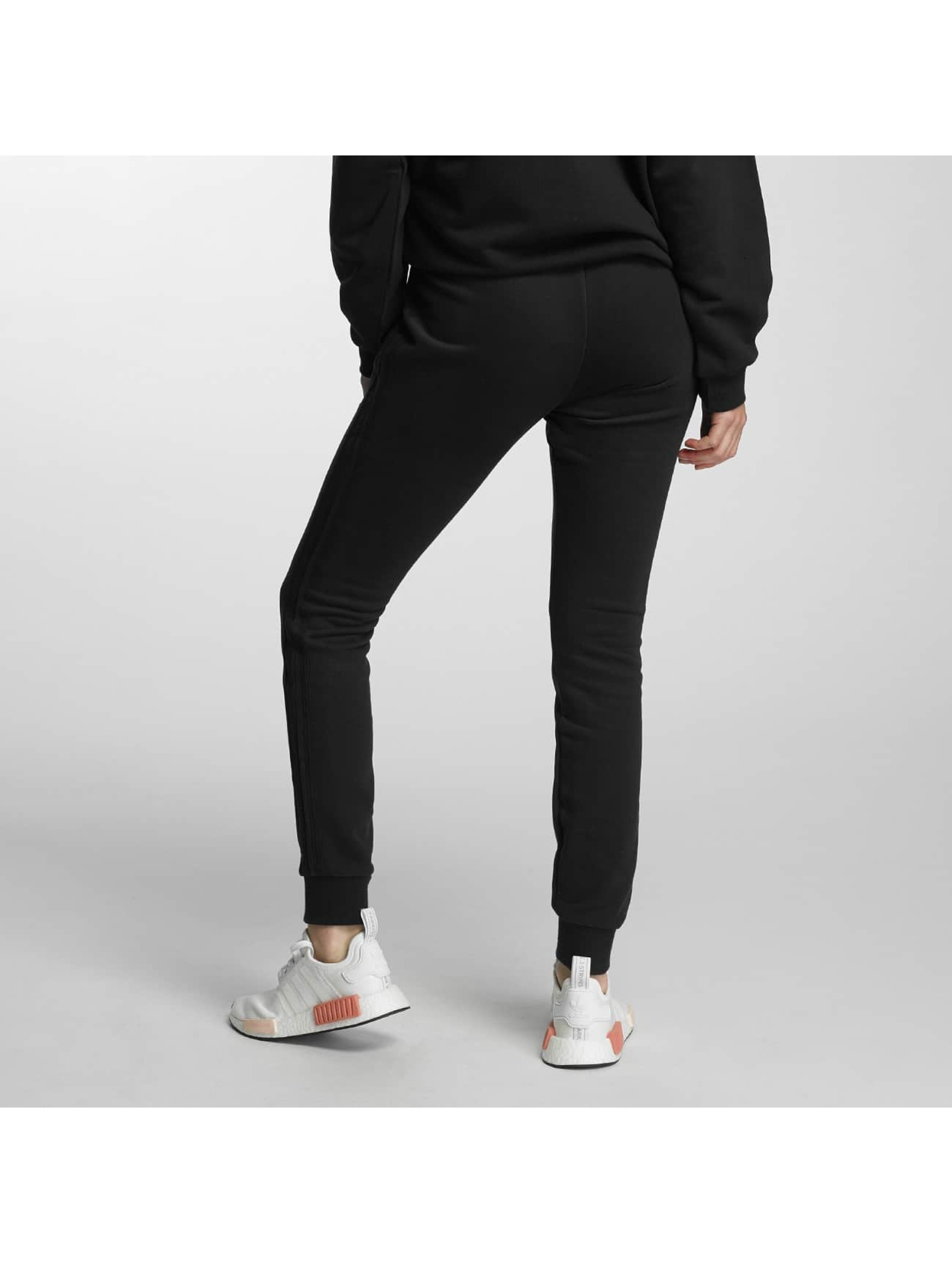 adidas originals Spodnie do joggingu Slim Cut czarny