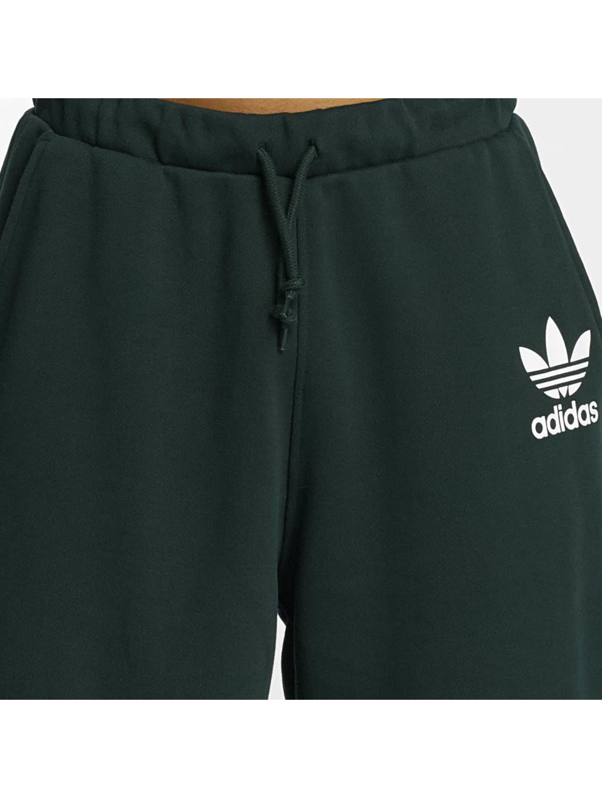 adidas originals Szorty ADC F zielony