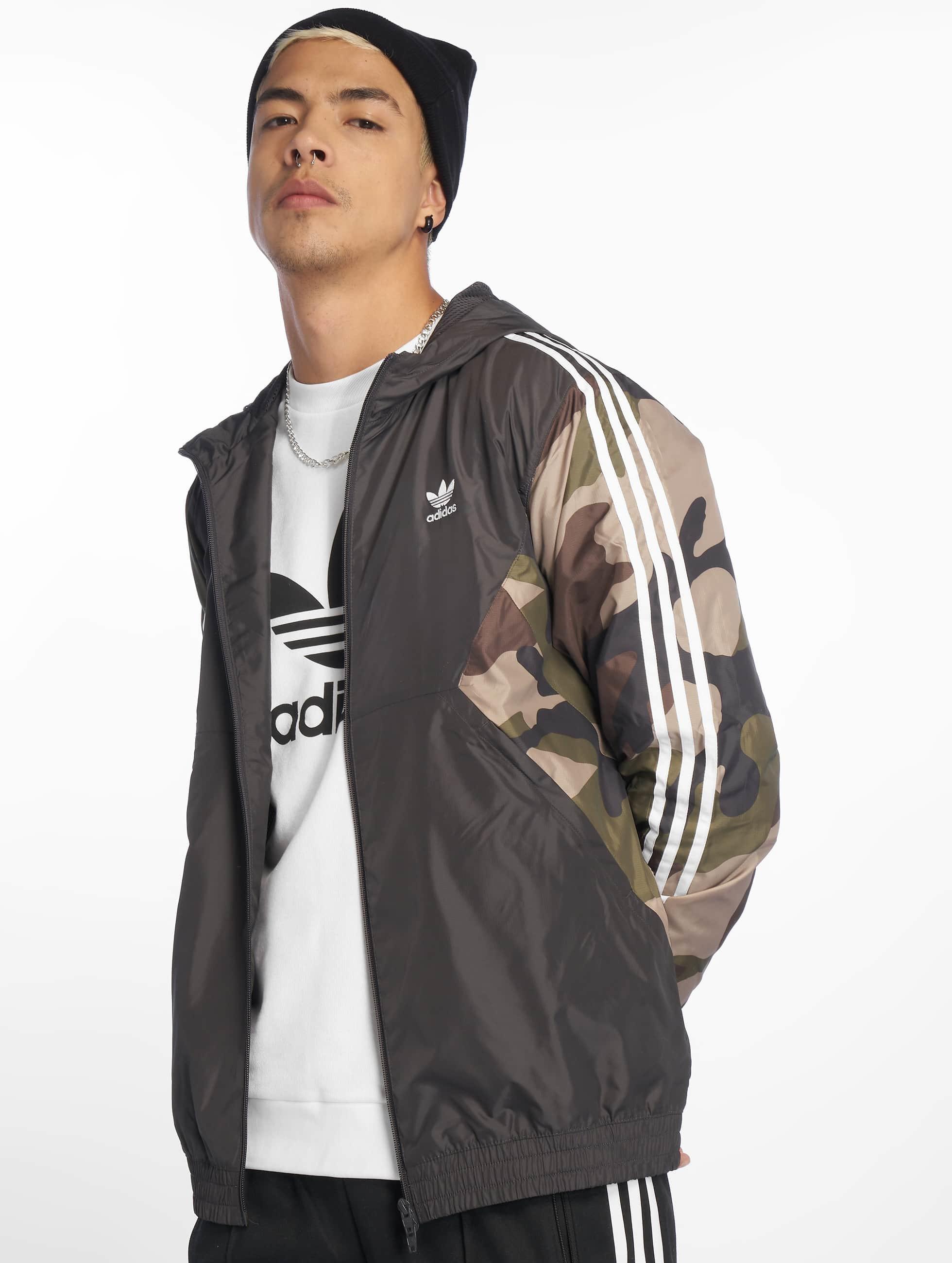 7652b0f951fba adidas originals Herren Übergangsjacke Camo in camouflage 598703