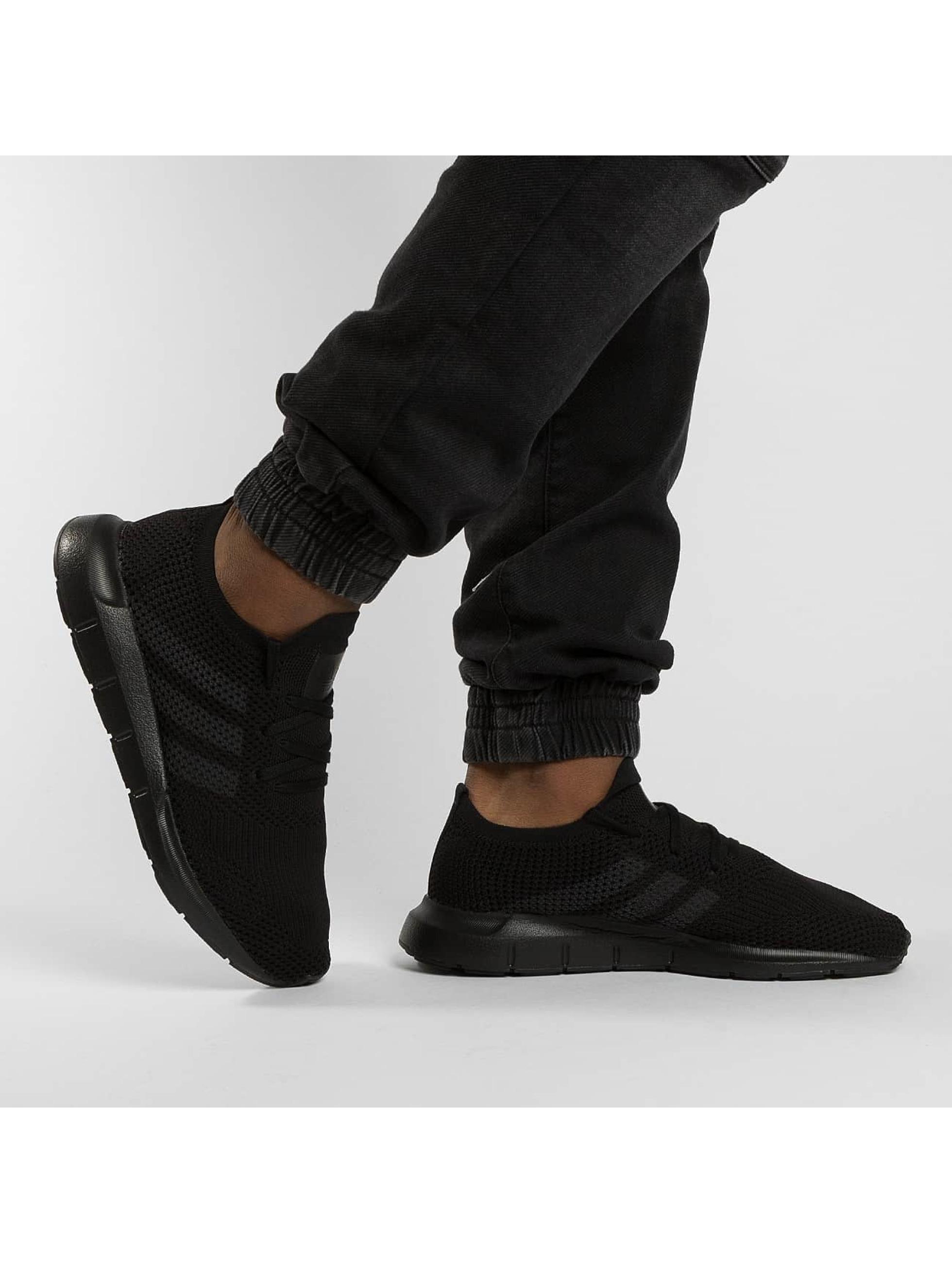 adidas originals Zapatillas de deporte Swift Run Pk negro