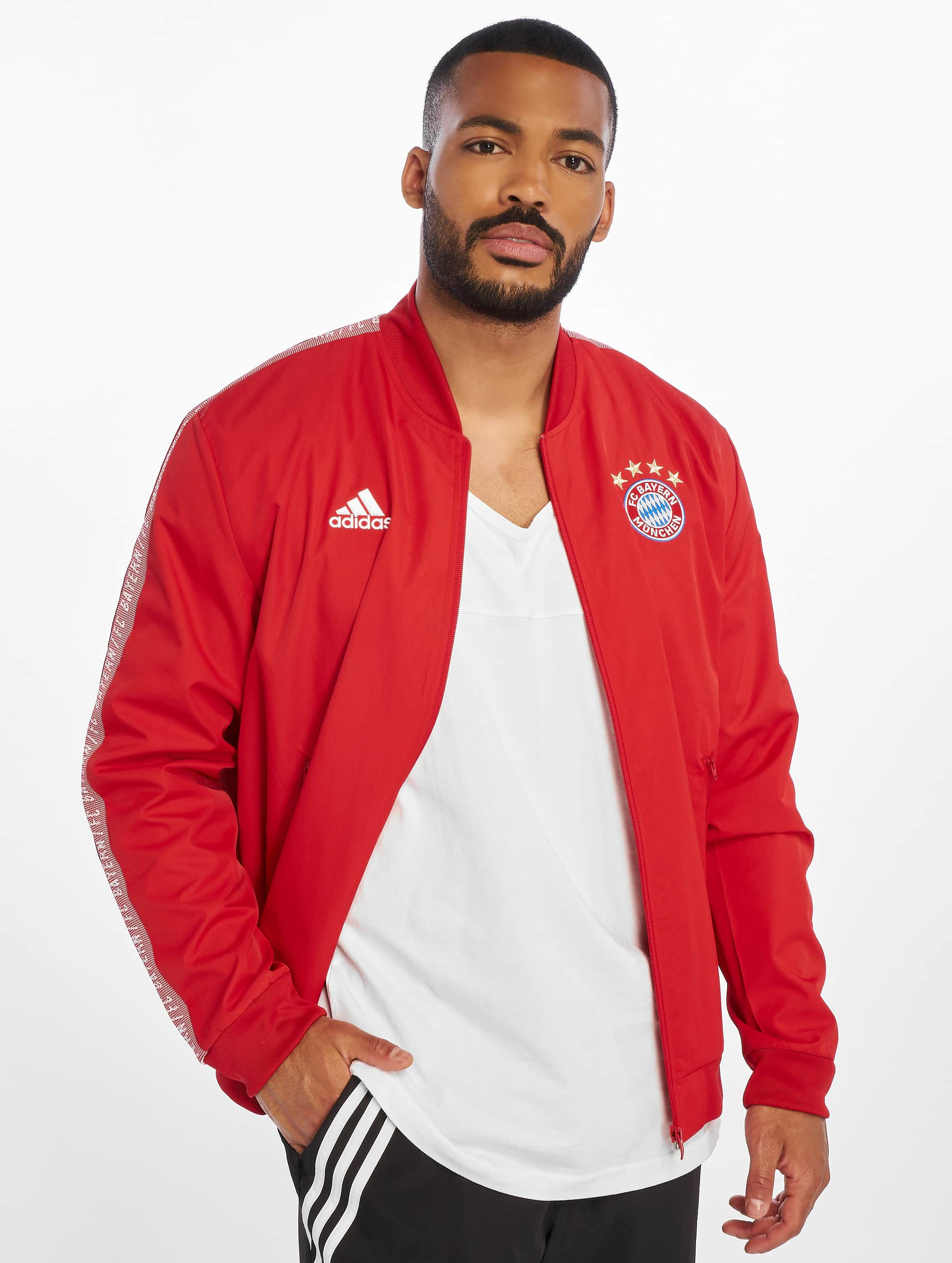 premium selection cd34a 09a76 adidas-performance-jalkapallovarusteet-punainen-683687.jpg