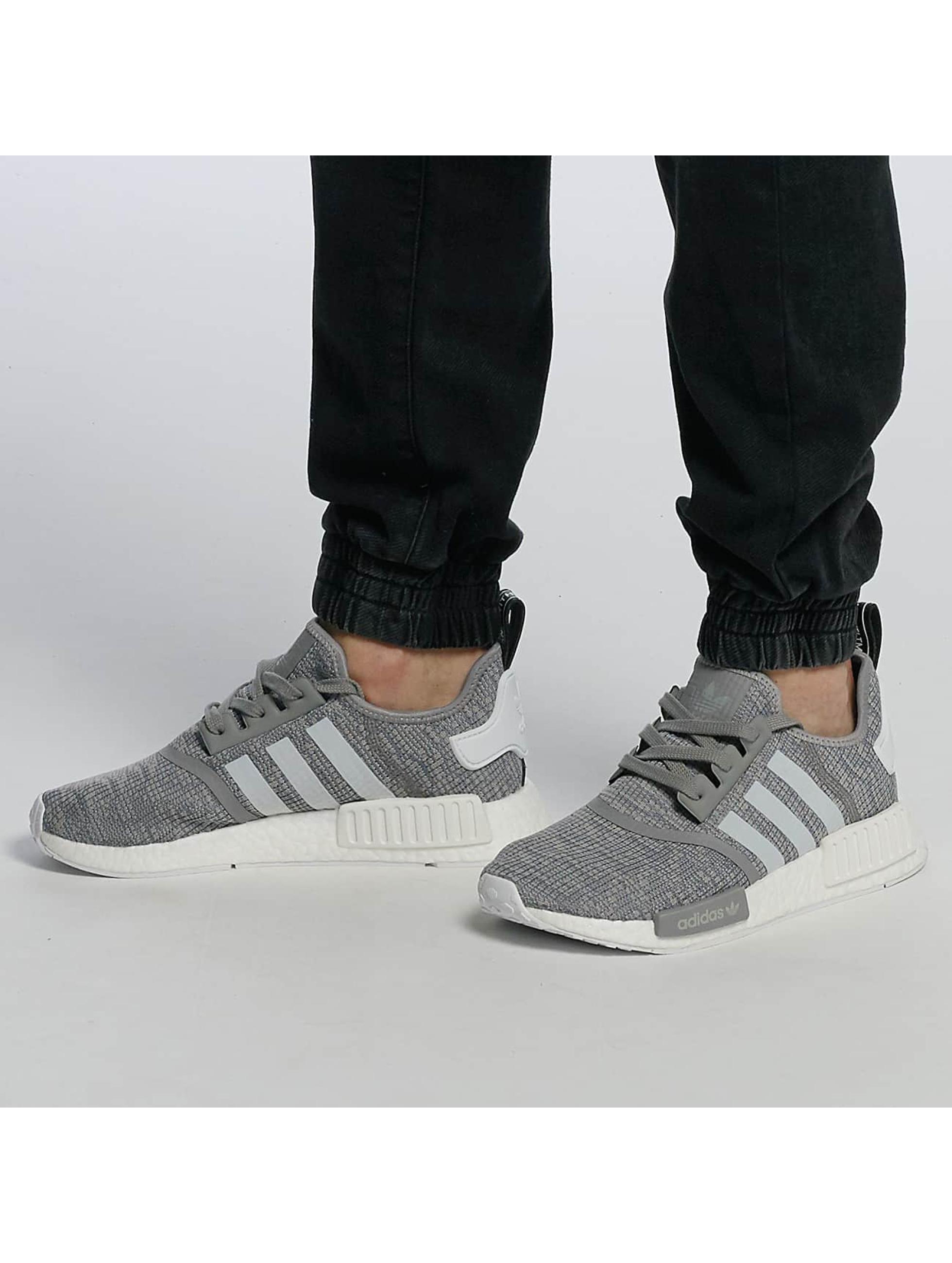 Sneaker NMD R1 in grau