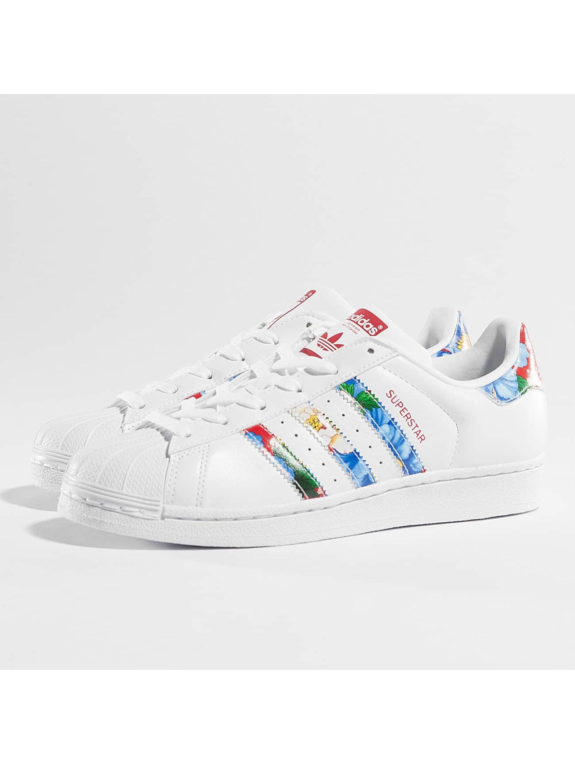 223f37307de235 Adidas Superstar Blumen Streifen ohne-papa.de
