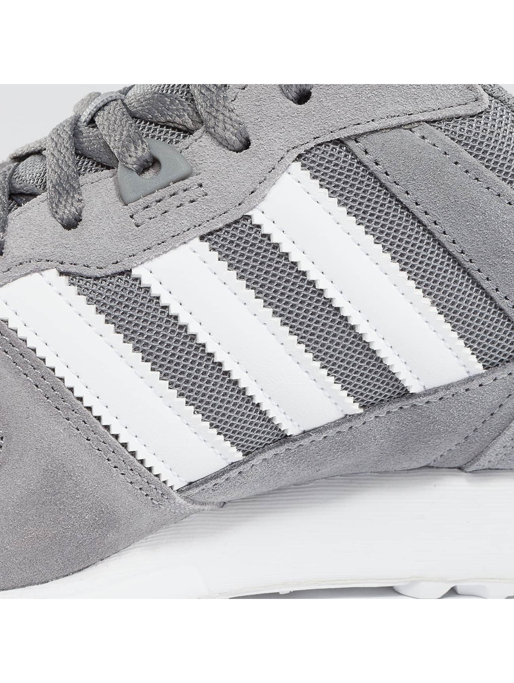 b6b23cc6b97 ... adidas grå sneakers - https://cdn.def-shop.com/ ...